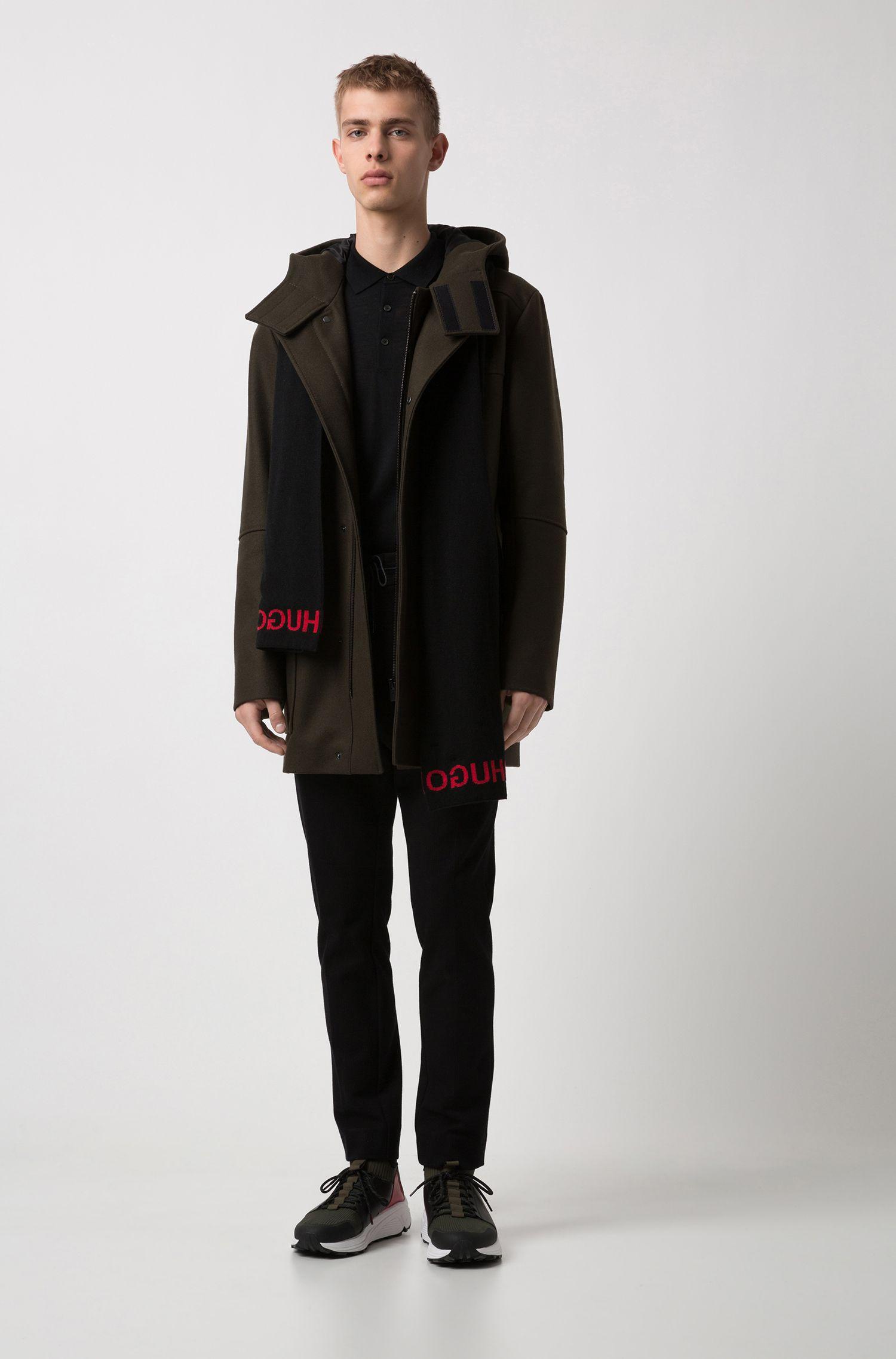 Slim-fit trui van een merinowolmix met polokraag, Zwart