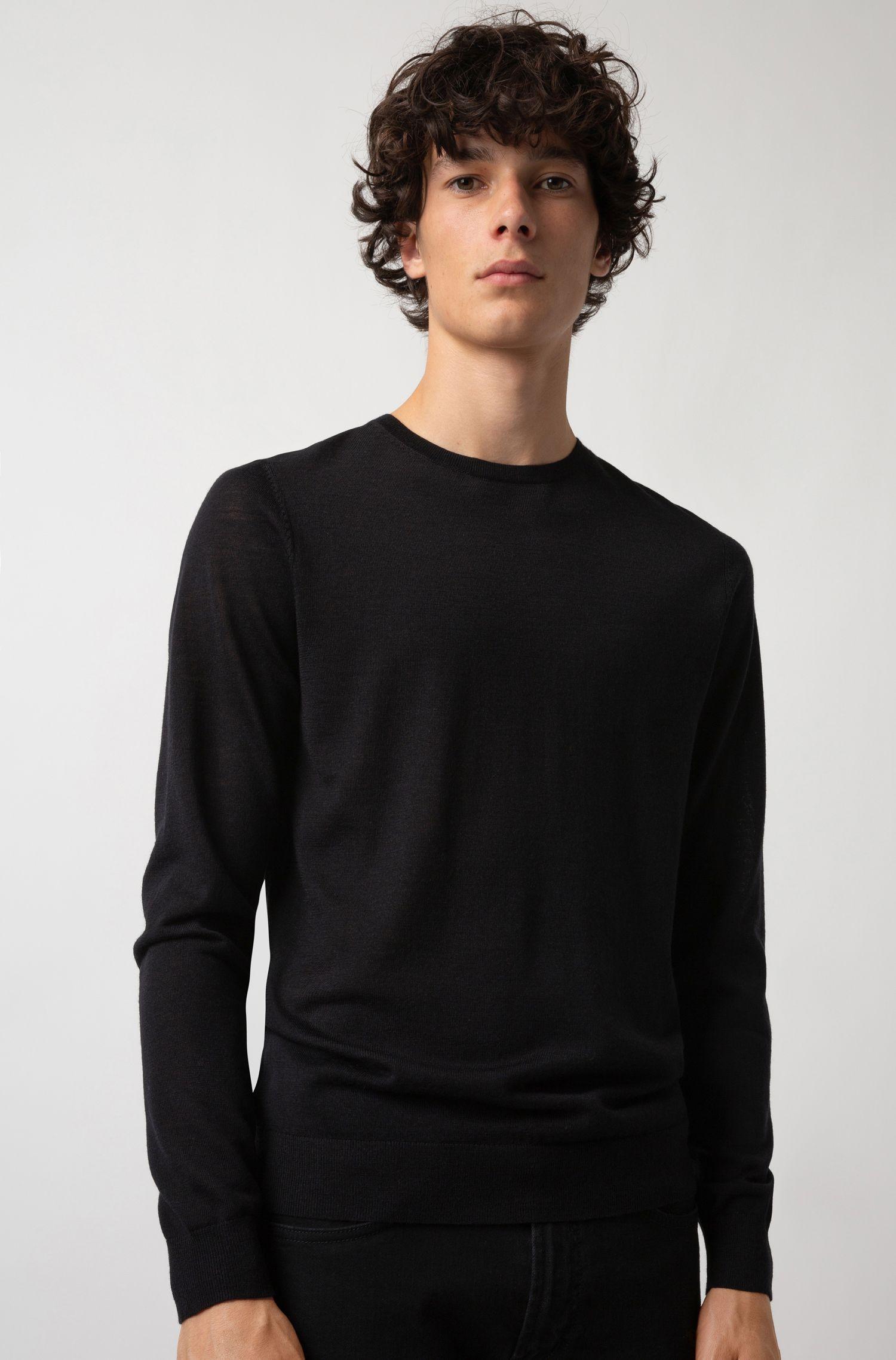 Pull ras-du-cou léger en laine mérinos mélangée, Noir