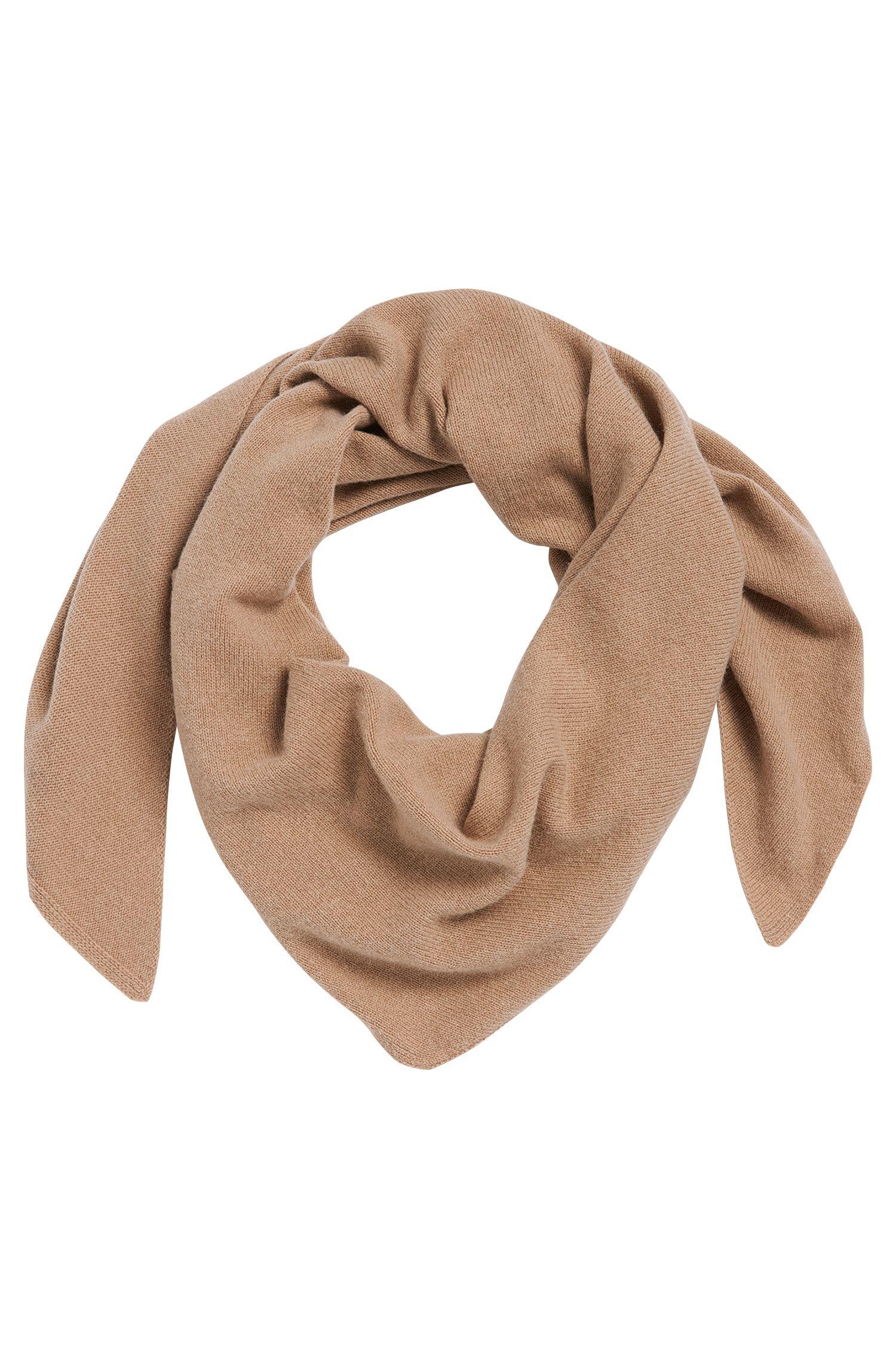 Sciarpa in misto lana vergine con percentuale di lana di yak e cashmere: 'Leelo'
