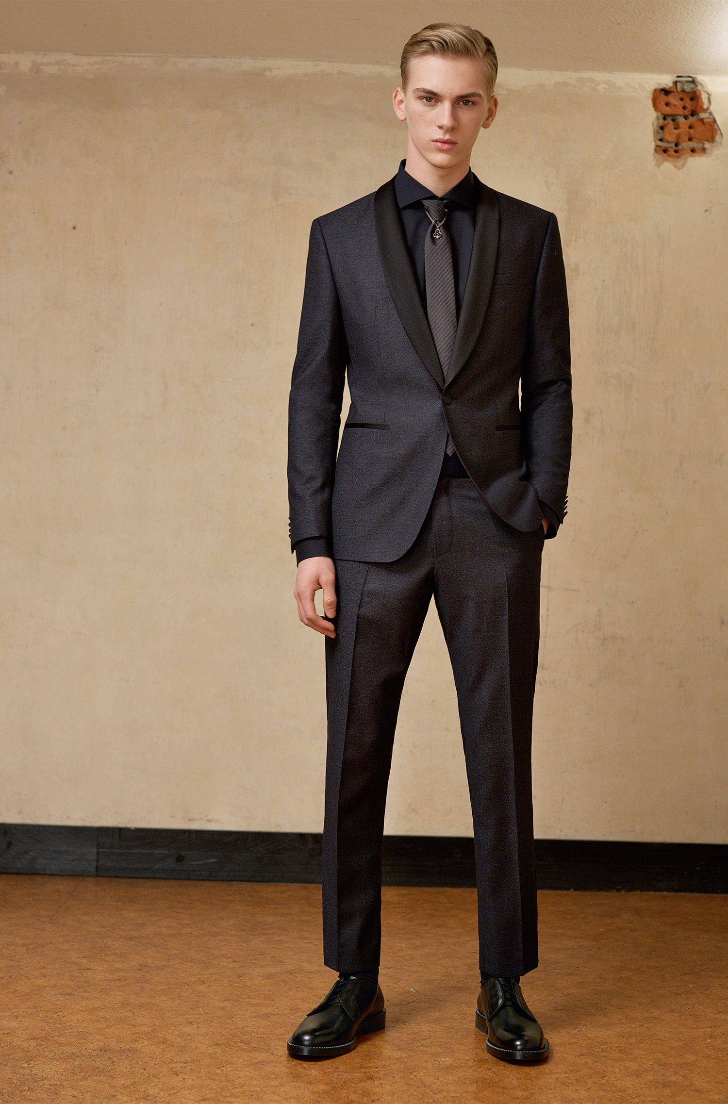 Cravatta in seta con logo ricamato: 'Tie cm 6'