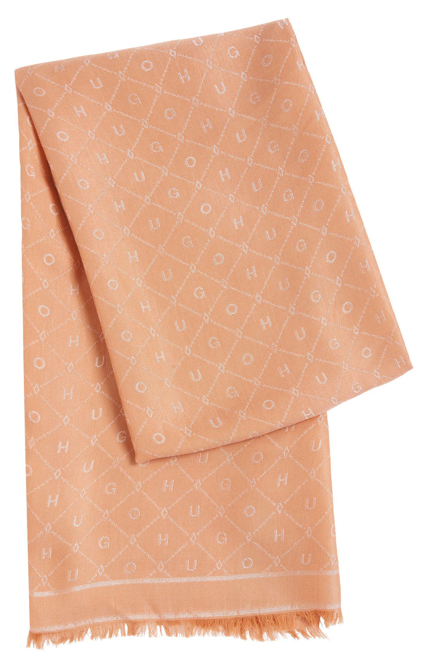 Sjaal van een katoenmix met all-over motief: 'Women-Z 529'