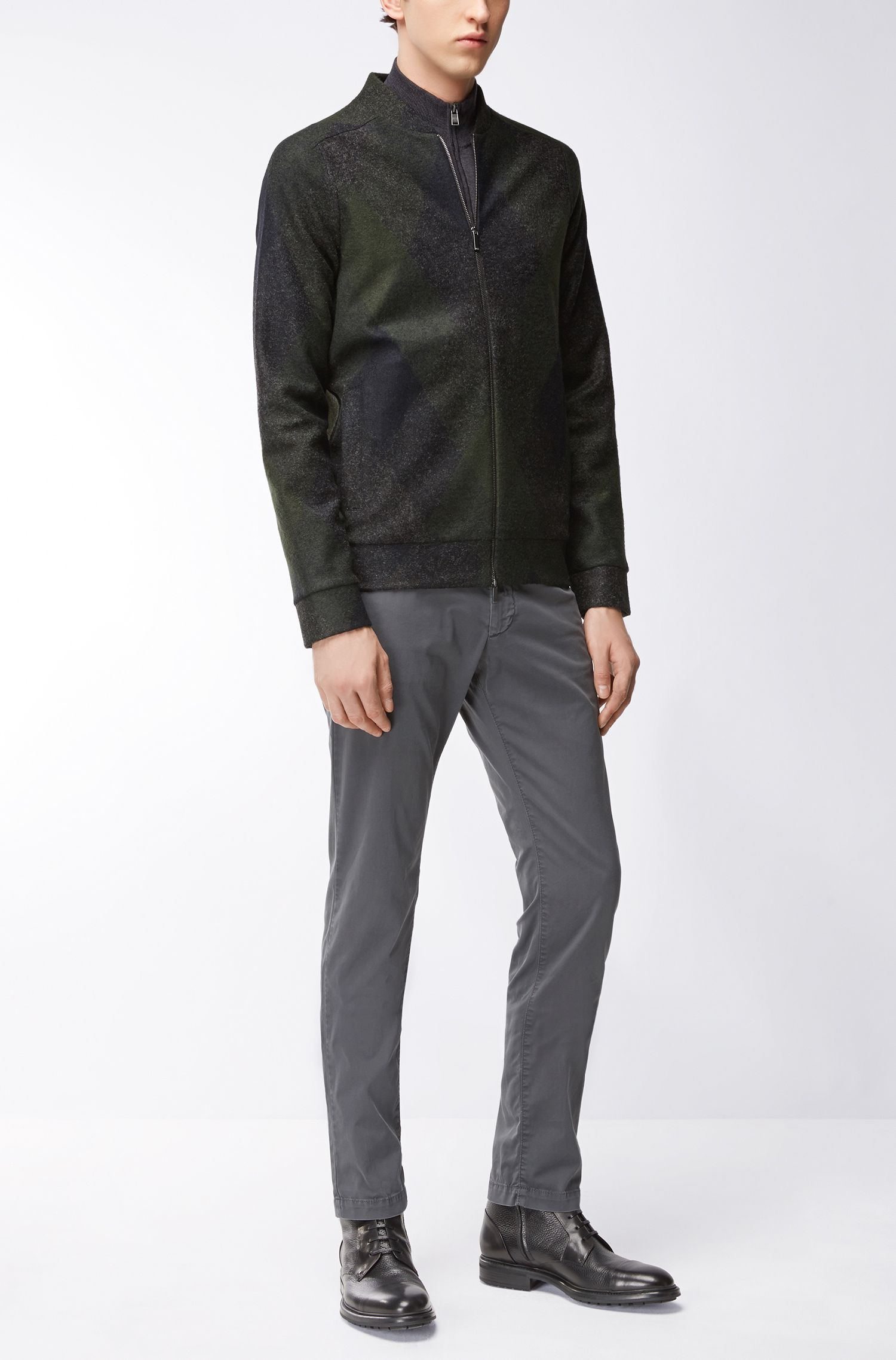 Chino Slim Fit en gabardine de coton stretch, Gris sombre