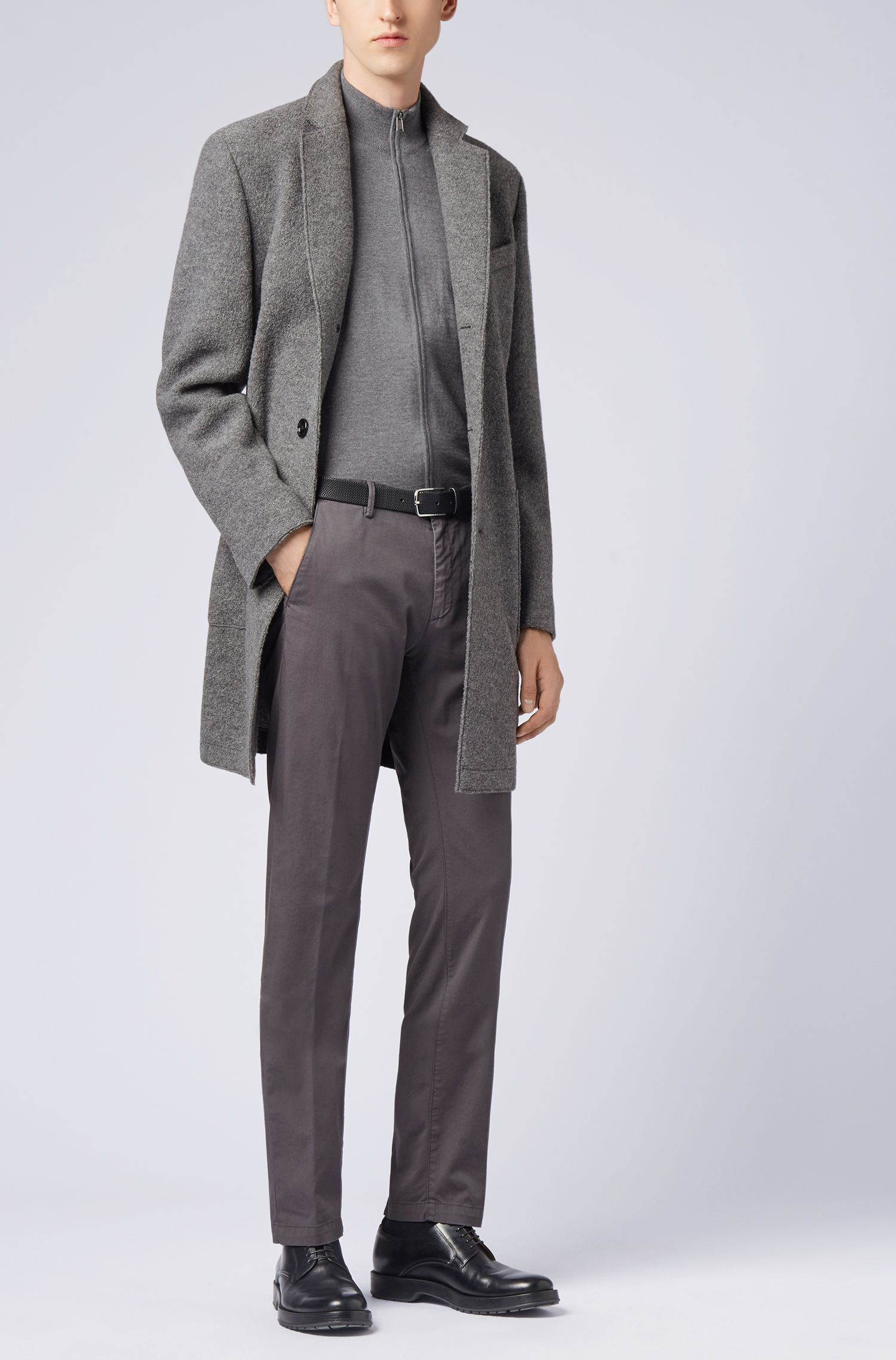Slim-Fit Chino aus elastischer Baumwoll-Gabardine, Dunkelgrau