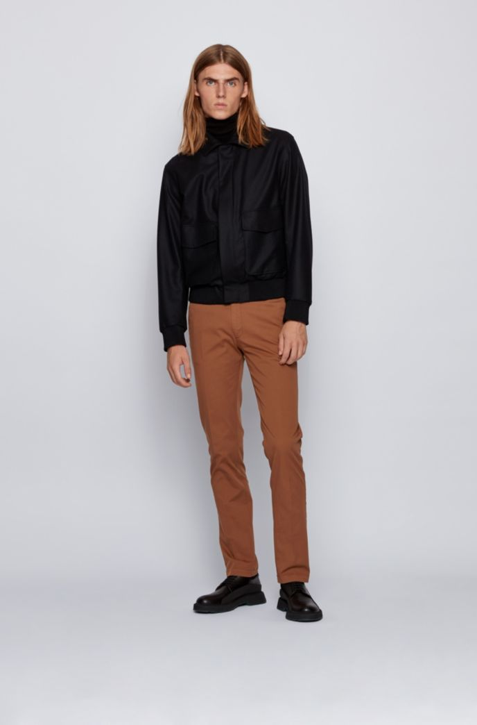 Slim-fit chinos in stretch cotton gabardine