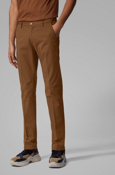 Chino Slim Fit en gabardine de coton stretch, Marron foncé