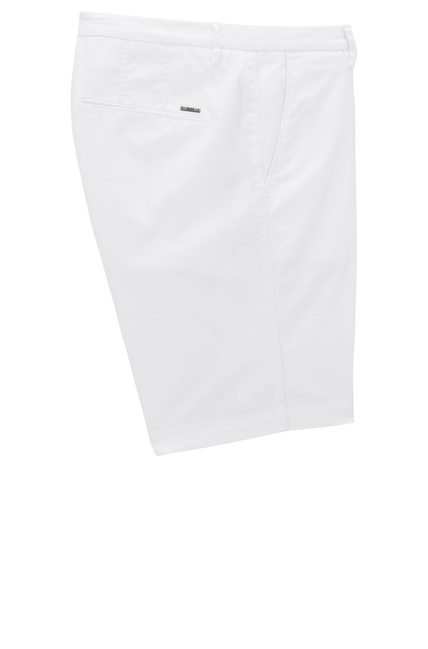 Slim-Fit Shorts aus elastischer Baumwoll-Gabardine