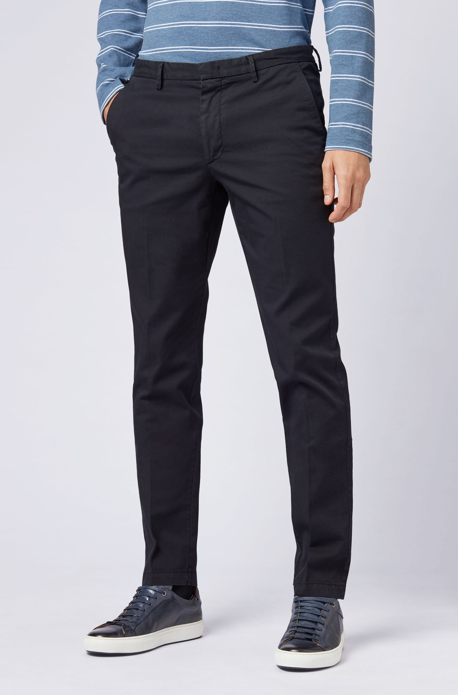 Chino Slim Fit en gabardine de coton stretch, Bleu foncé