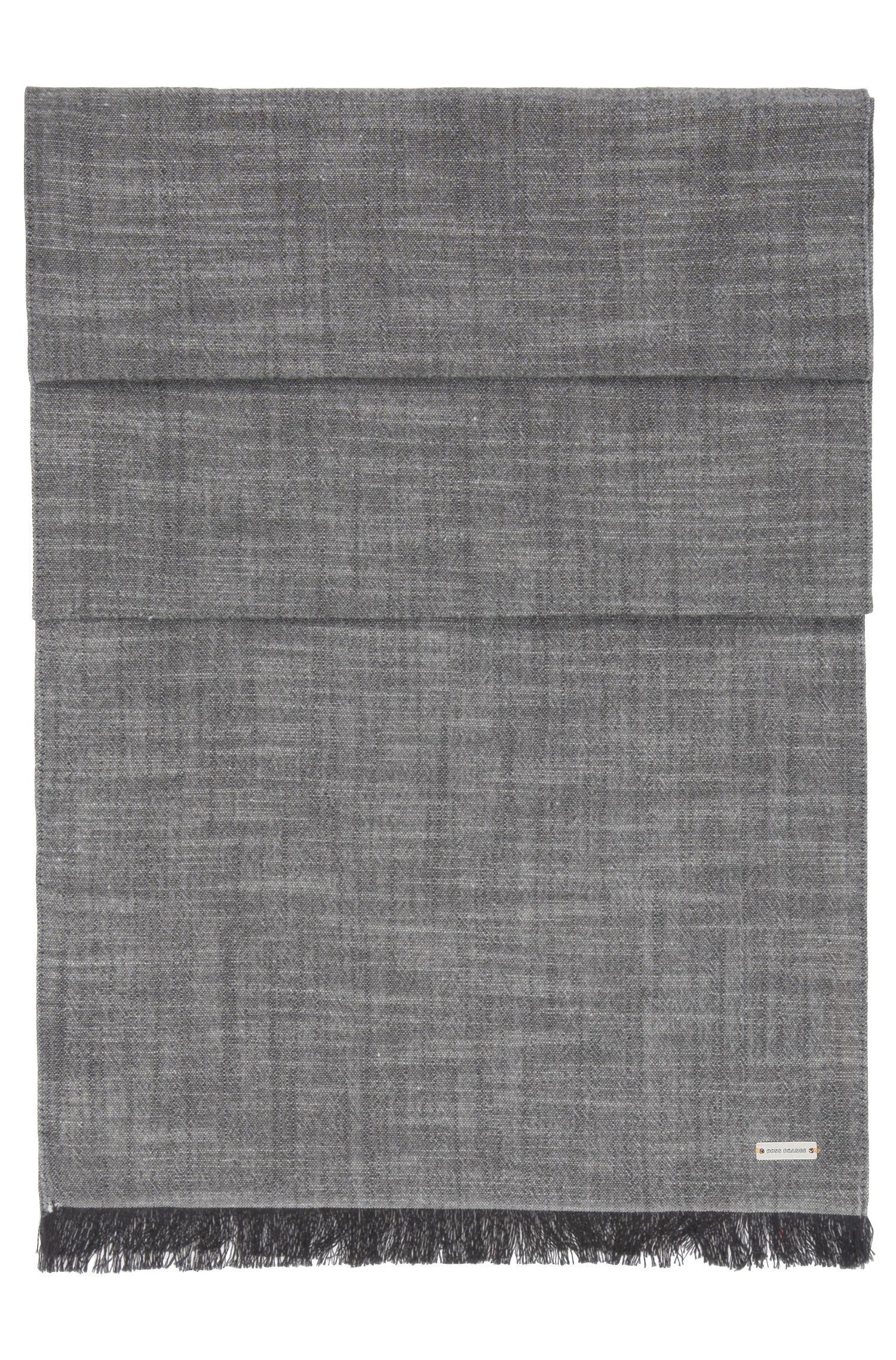 Locker gewebter, unifarbener Schal aus Baumwolle: ´Navid`