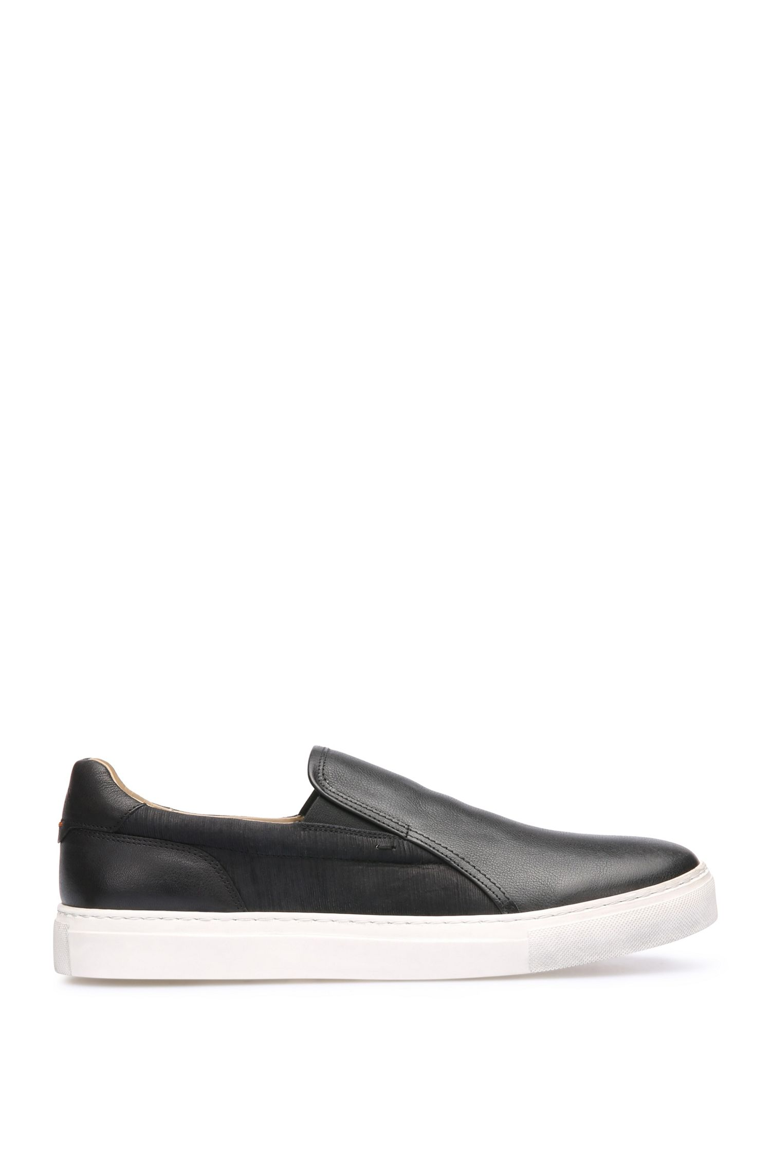 Baskets en cuir au design inspiré des slip-on : « NoirSlonsdls »