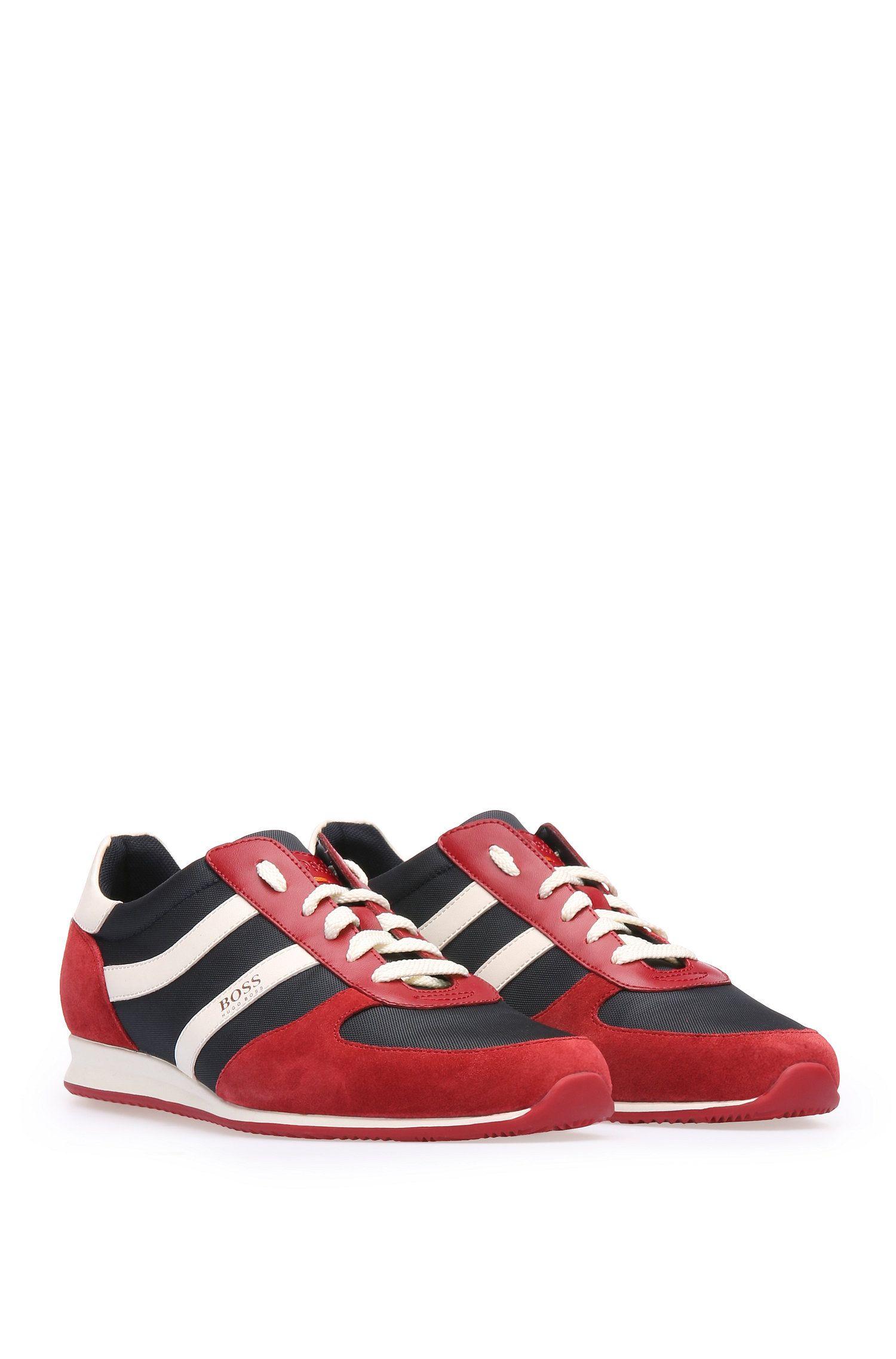 Sneakers aus Material-Mix mit EVA-Sohle, Rot