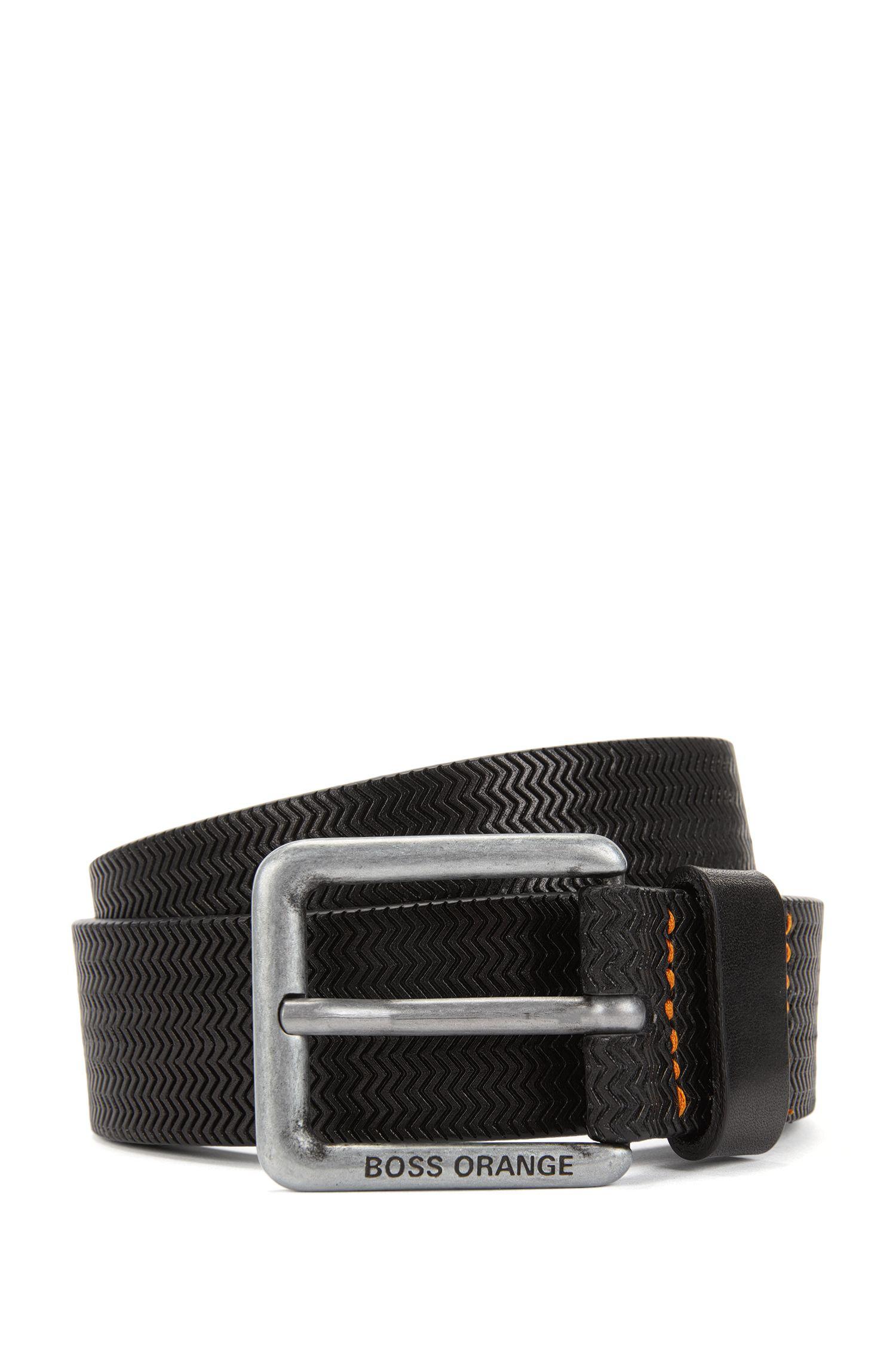 Cinturón con hebilla en piel repujada