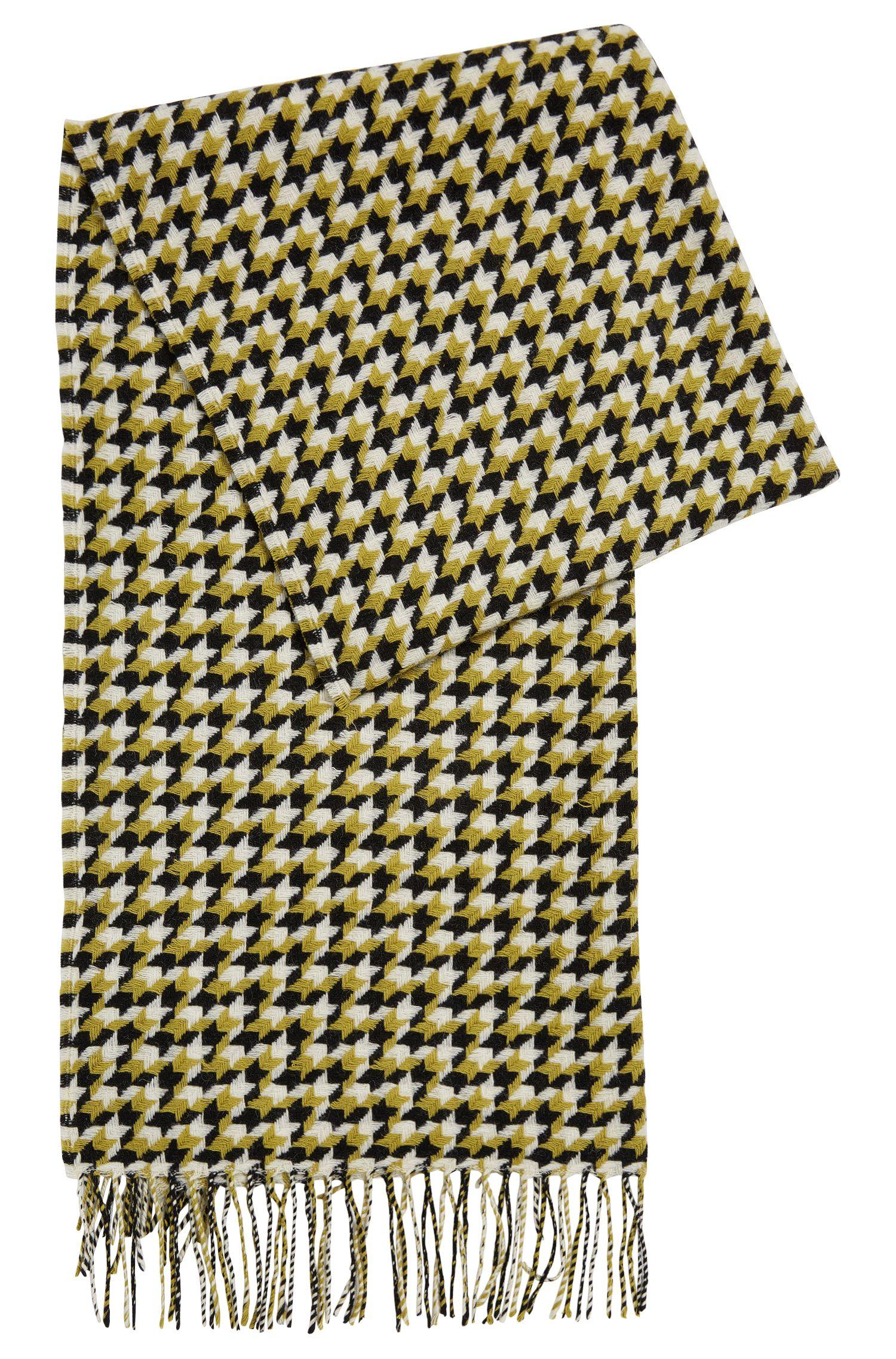 Sjaal van scheerwol met dessin: 'Levina'