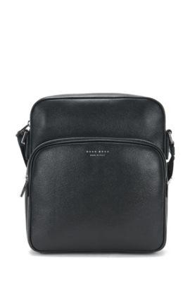 Bolso bandolera de tamaño pequeño en piel: 'Signature_Camera bag', Negro