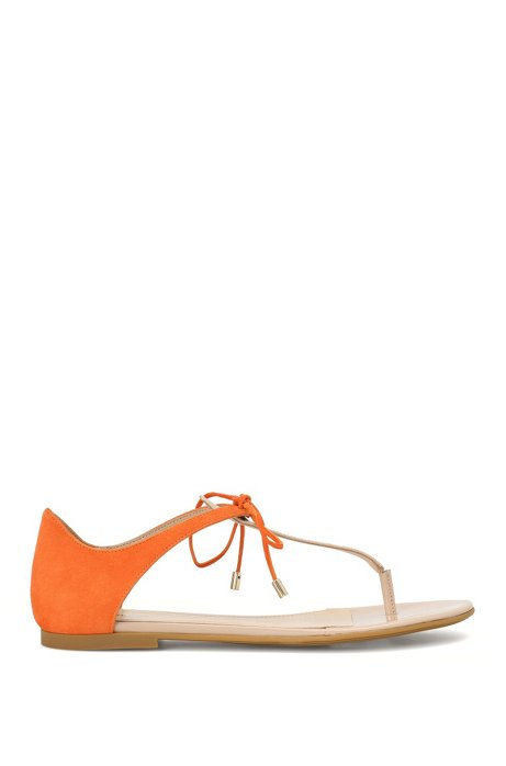 Leather toe-separator sandals with lacing detail: 'Felicity', Light Beige