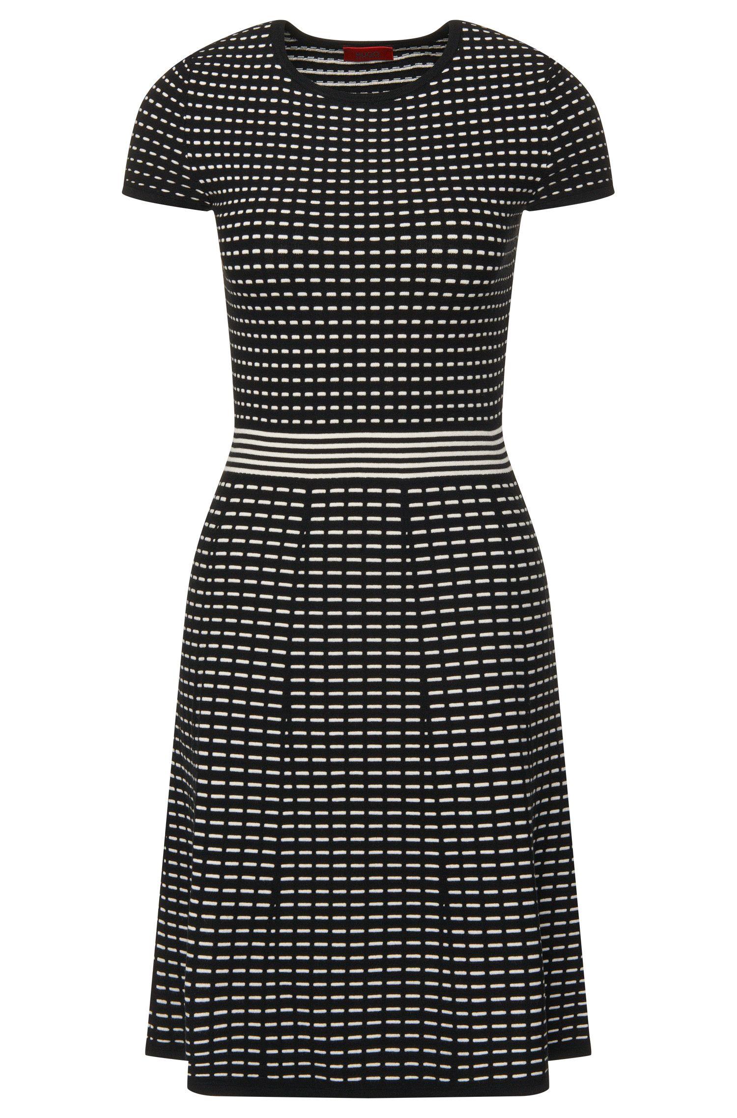 Gebreide jurk van een viscosemix met streepdessin: 'Sadinia'