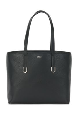Spacious shopper in textured Italian leather, Black