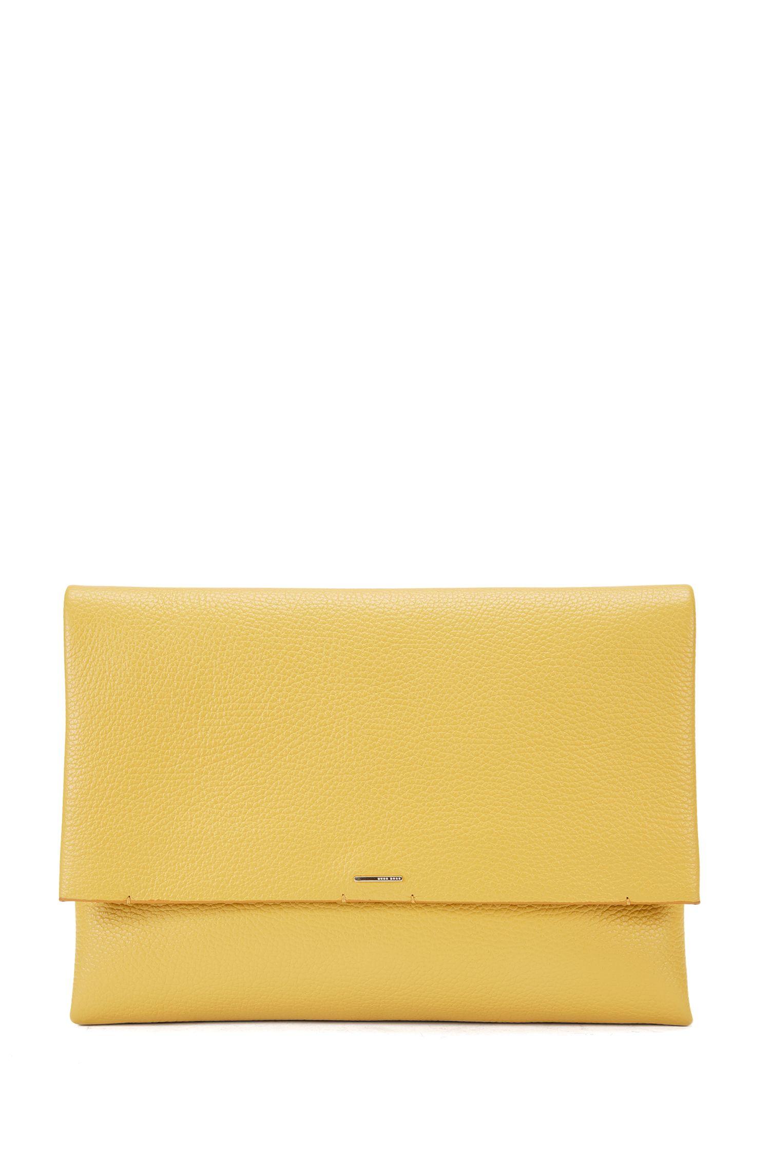 Pochette BOSS Luxury Staple in pelle italiana senza fodera interna con tracolla a catena