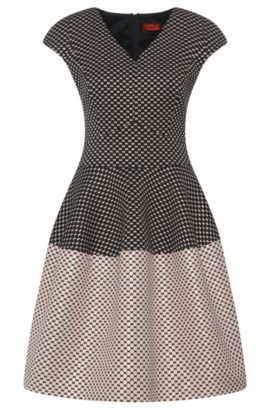 Kleid im gepunkteten Dessin: 'Konelly', Gemustert