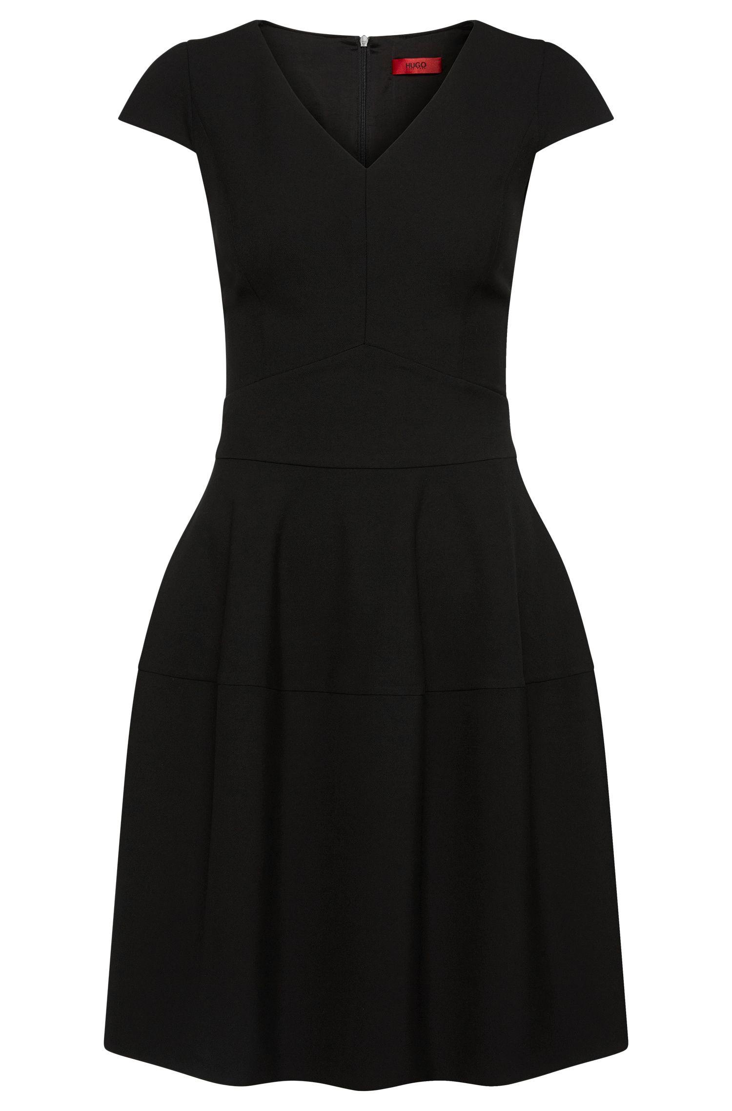 Unifarbenes Kleid mit V-Ausschnitt: 'Konelly'