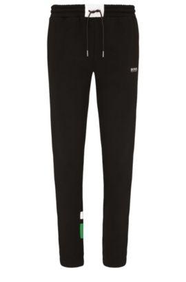Pantaloni jogging regular fit in cotone con percentuale di elastan: 'Halko', Nero