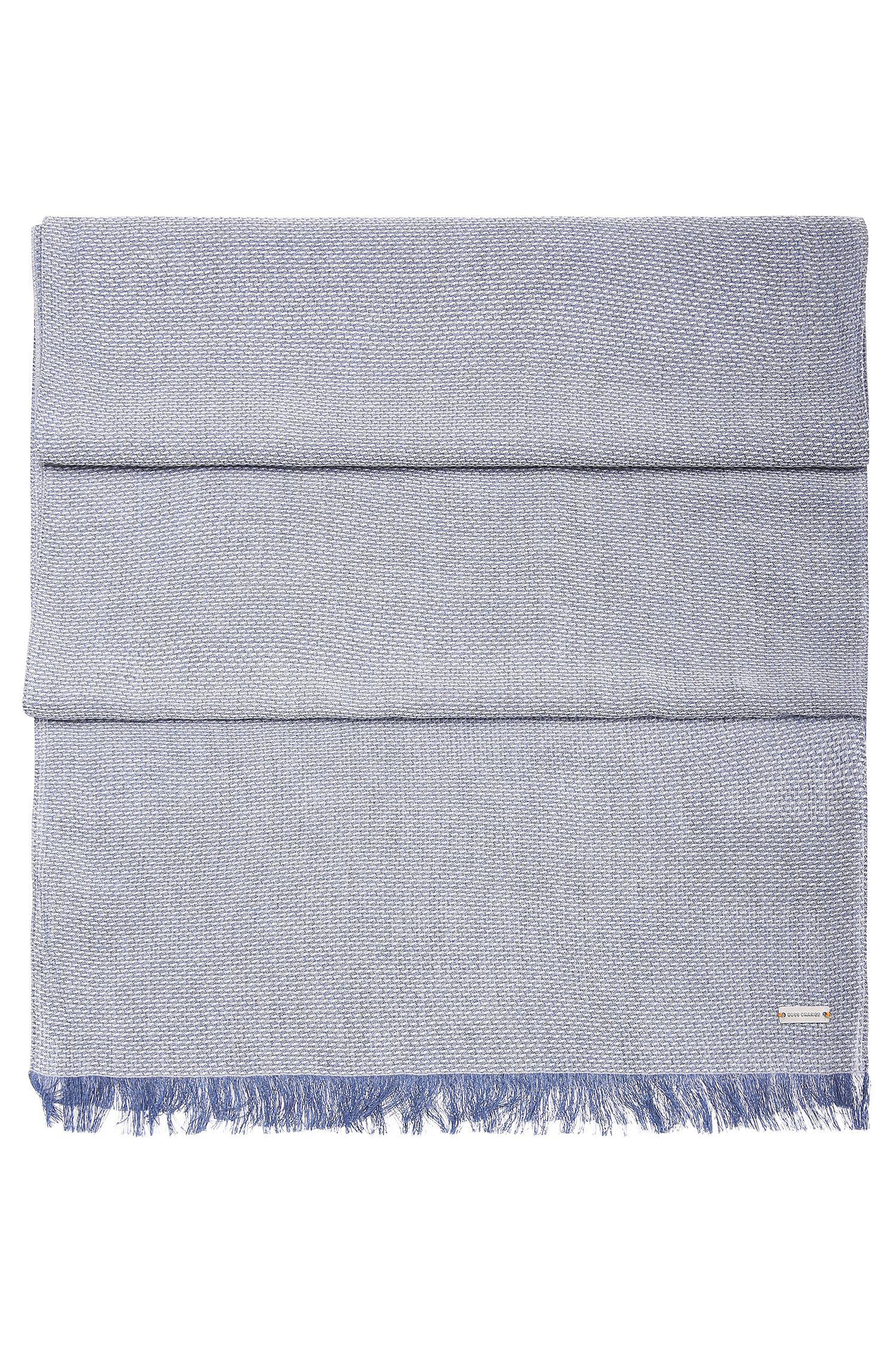 Finely textured woven scarf in viscose: 'Noemo'