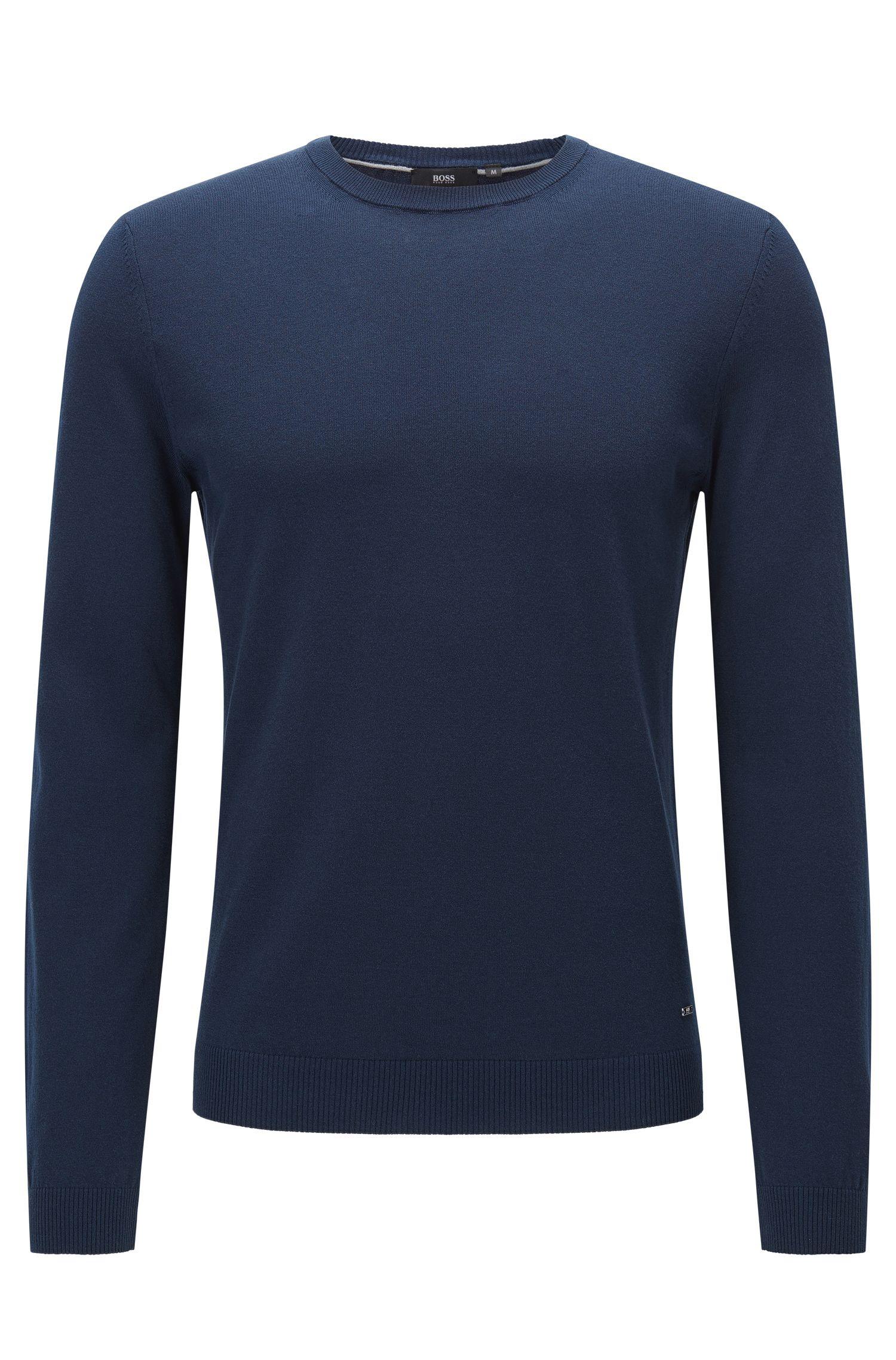Maglione slim fit in cotone di qualità superiore con dettagli a coste
