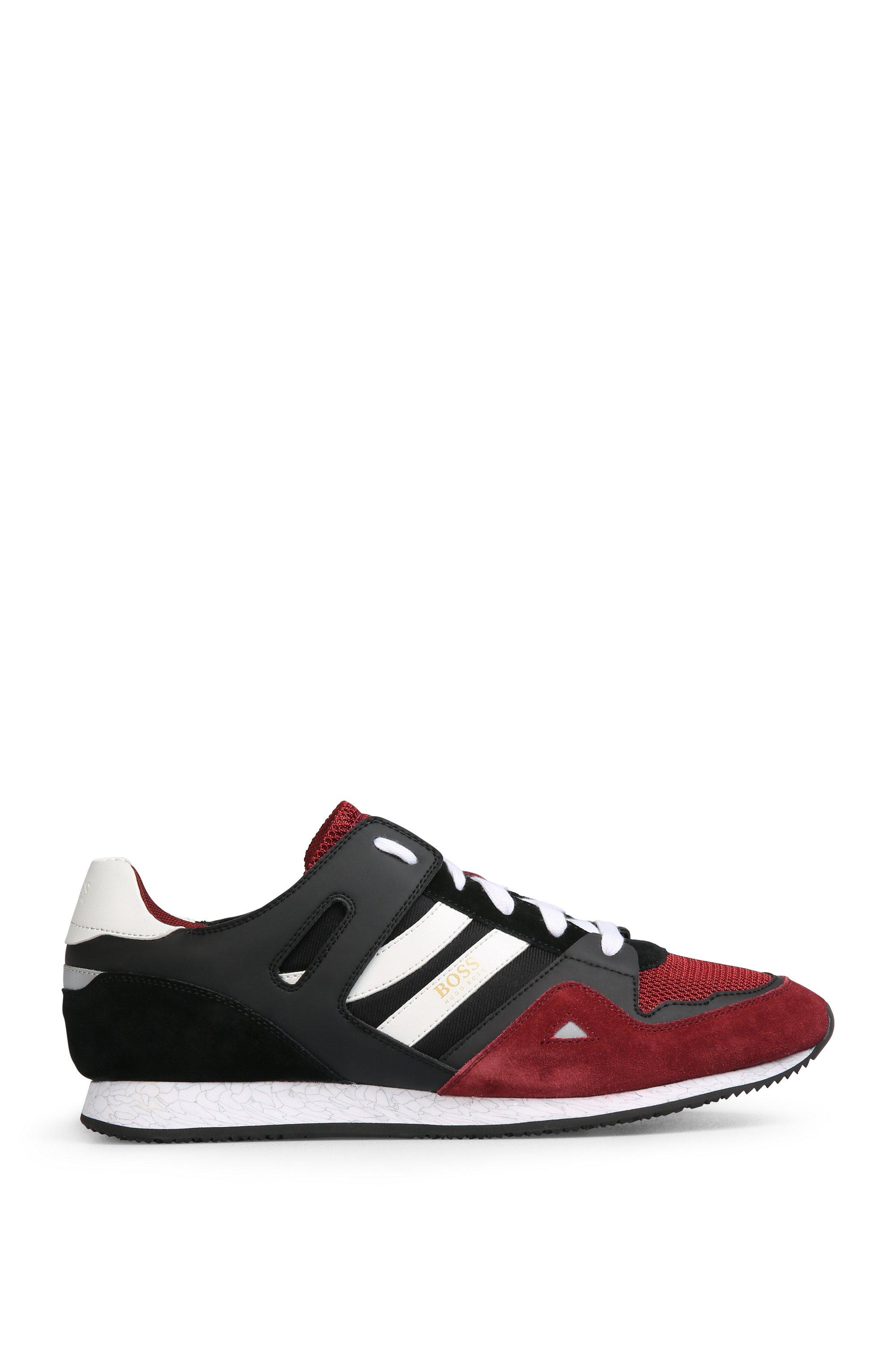 Sneakers aus Material-Mix mit EVA-Sohle, Dunkelrot