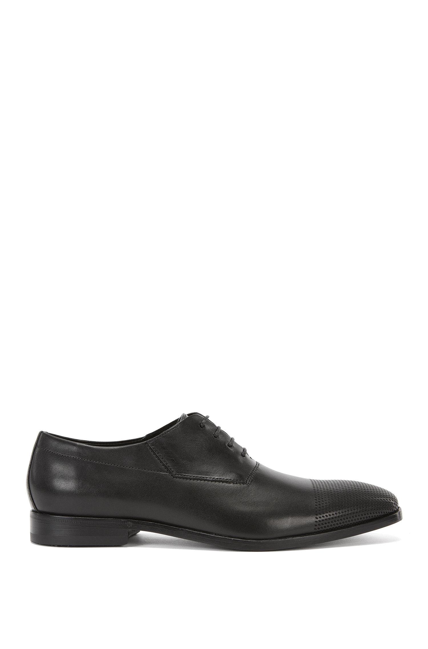 Chaussures à lacets en cuir dotées d'un bout perforé: «Square_Oxfr_srls»