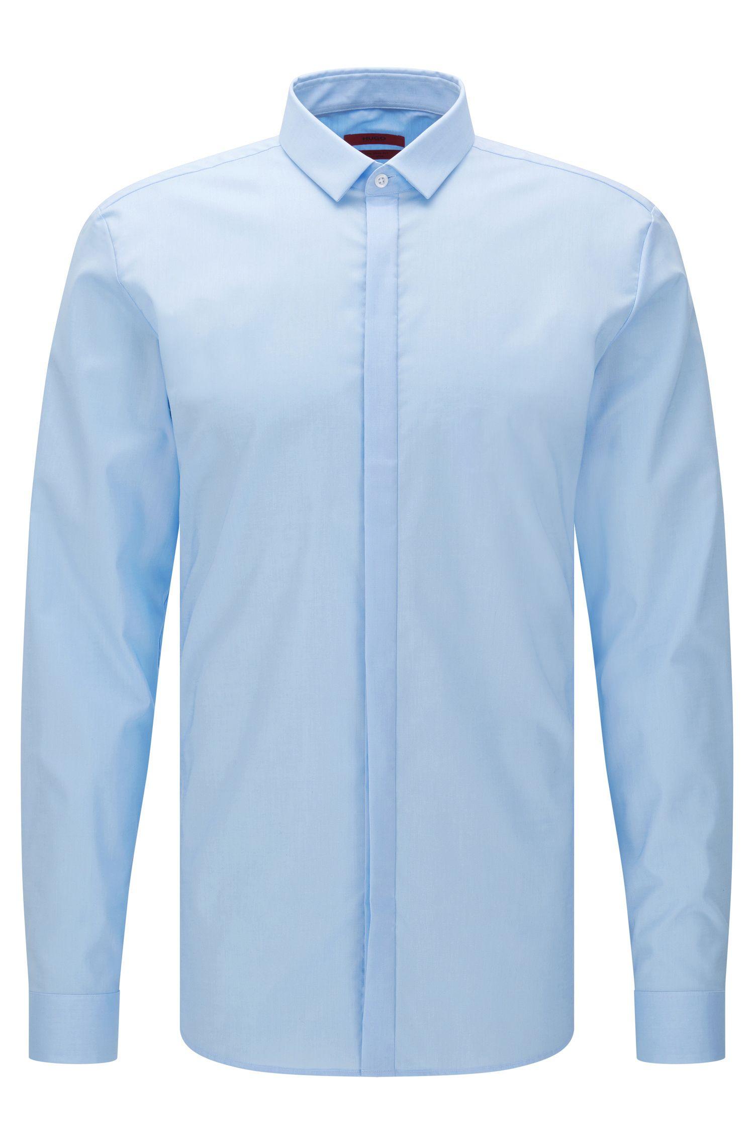 Camicia extra slim fit in cotone facile da stirare con allacciatura a bottoni nascosta: 'Ebros'