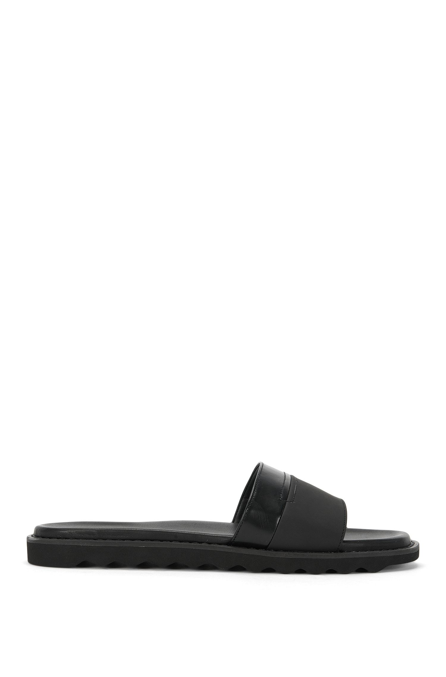 Leather slippers with patent leather trim: 'Delight_Slid_bo'