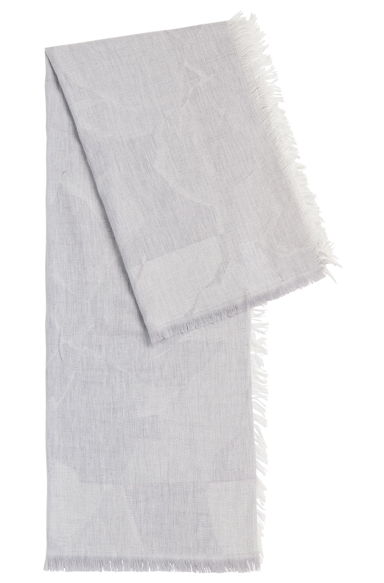Omslagdoek met dessin, van een scheerwolmix met modal: 'Limella'