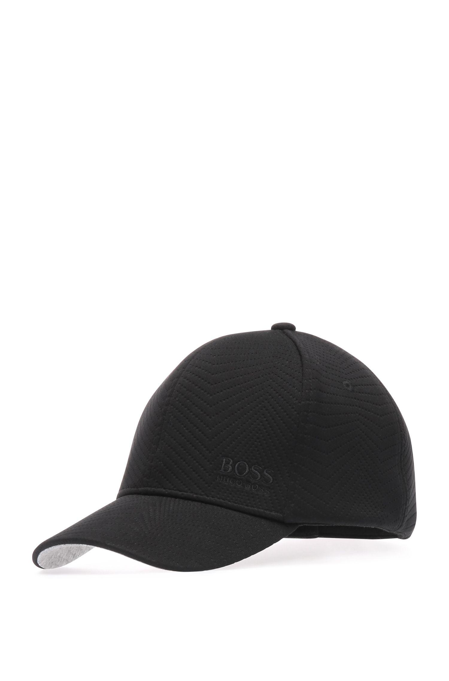 Cappellino in materiali misti elasticizzati e viscosa: 'Cap-Embossed'