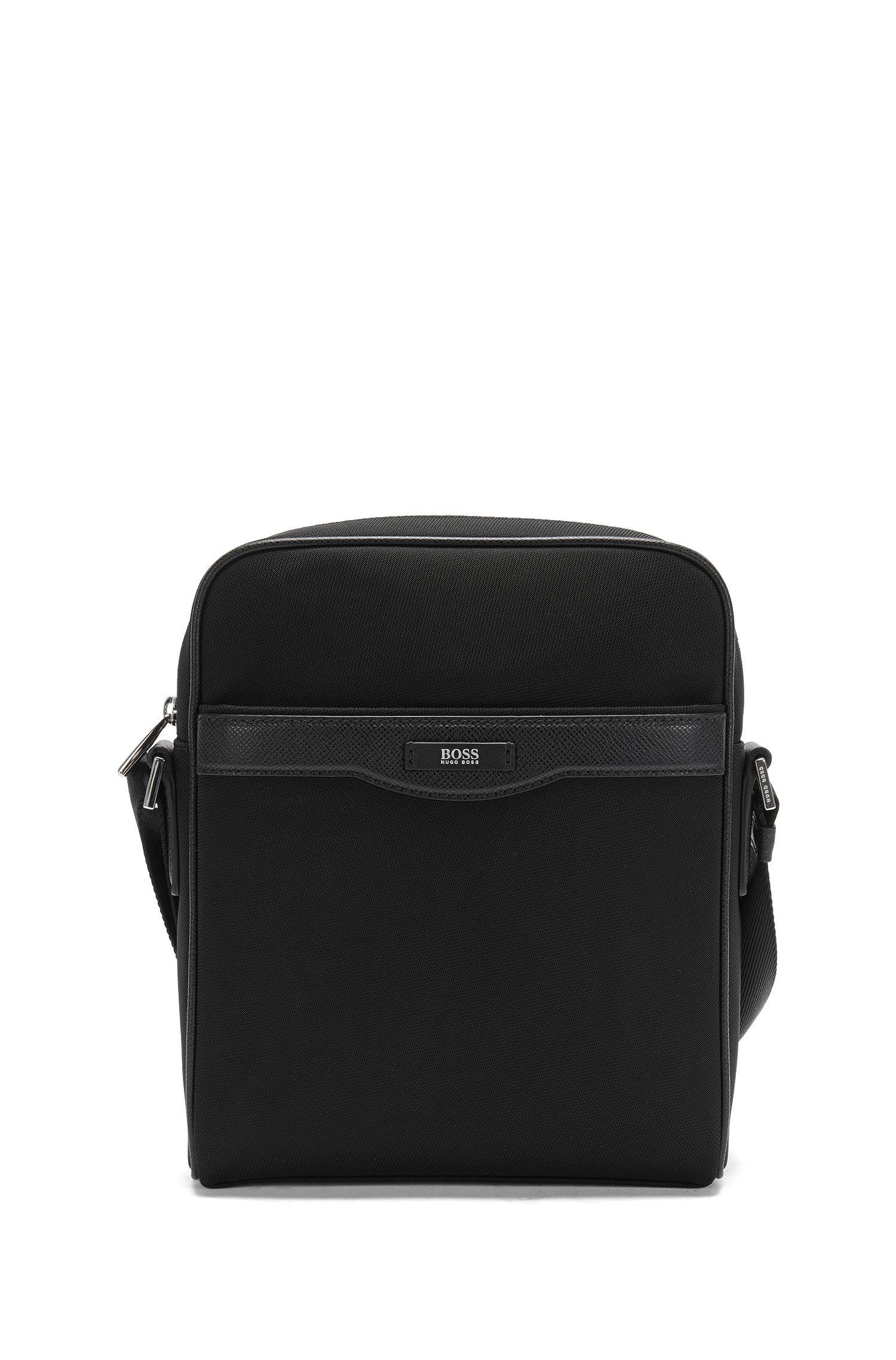 Shoulder bag with leather detailing: 'Signature L_NS zip'