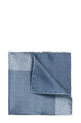 Tailored pocket square in silk with a pattern mix: 'T-Pocket sq. 33x33 cm', Light Blue