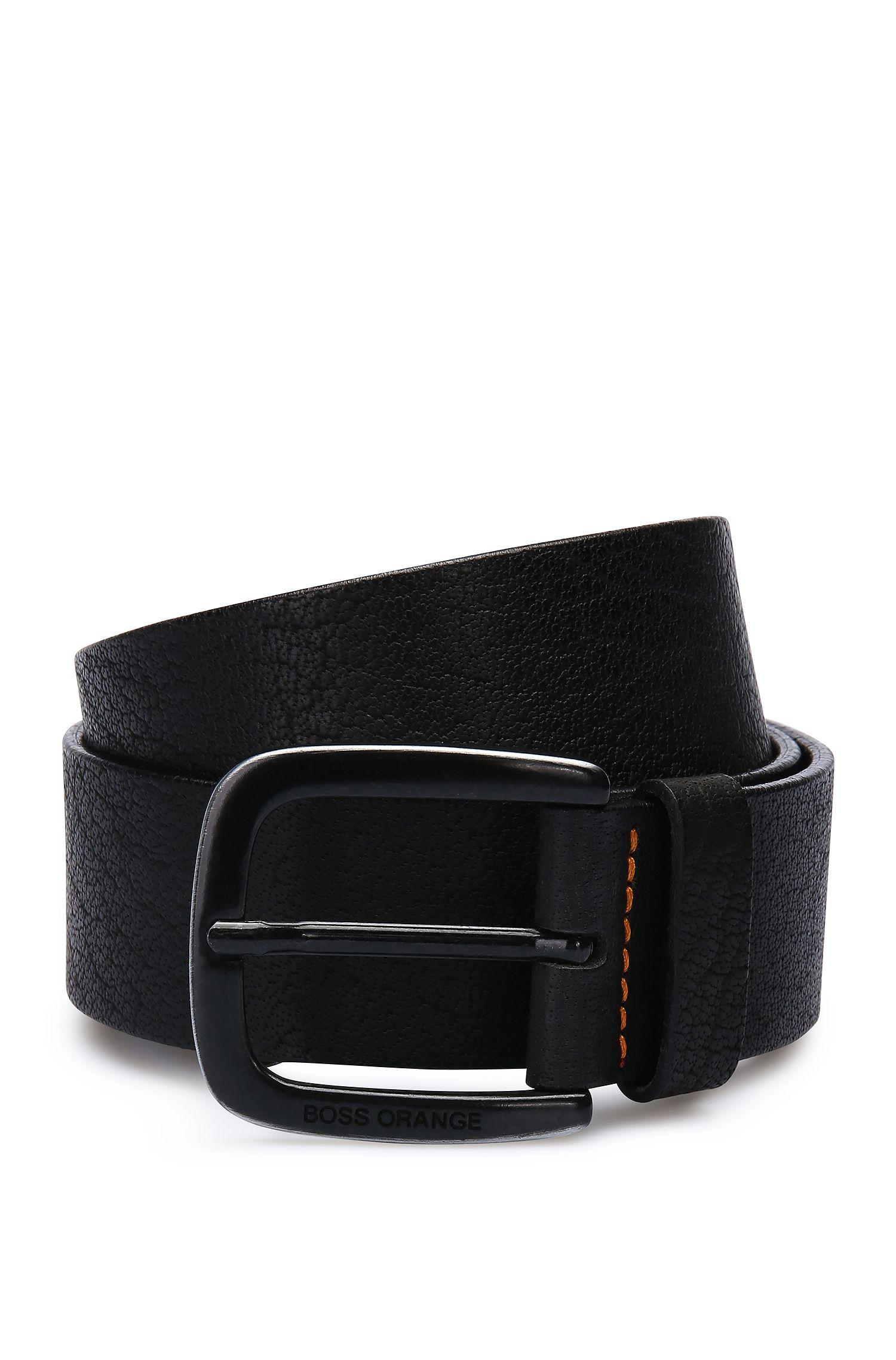 Cinturón de piel con textura y pespuntes en contraste: 'Jem_Sz40_ltem'