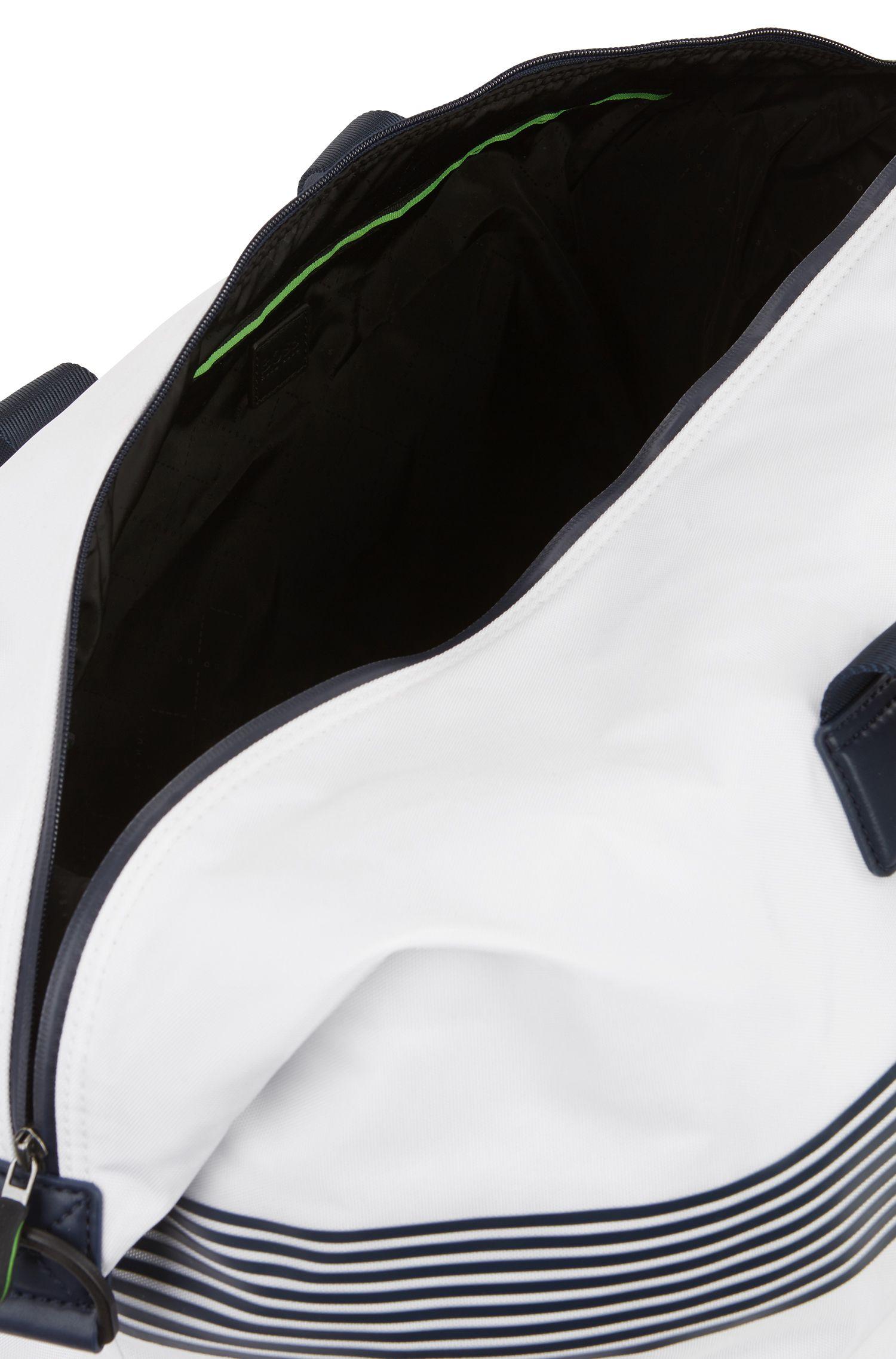 Bolso weekender amplio de tejido técnico con cremallera impermeable