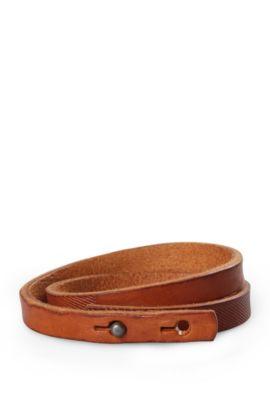 Bracelet enroulé, en cuir orné d'une gravure: «Morrison», Brun chiné