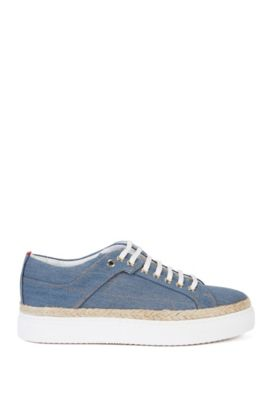 Sneakers in Denim-Optik mit Plateau-Sohle: 'Connie-D', Hellblau