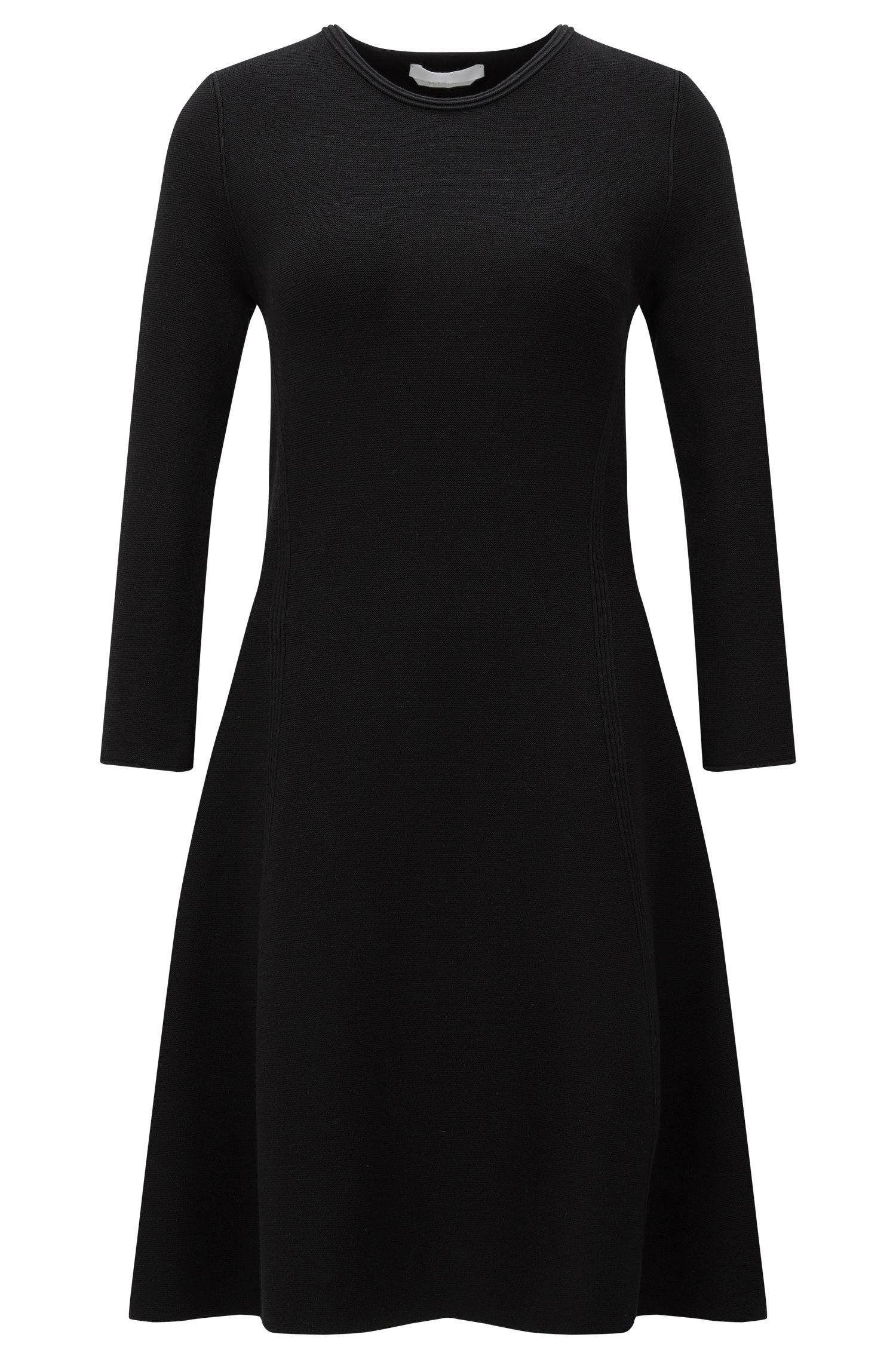 Uitlopende, gebreide jurk van een viscosemix: 'Francesca'