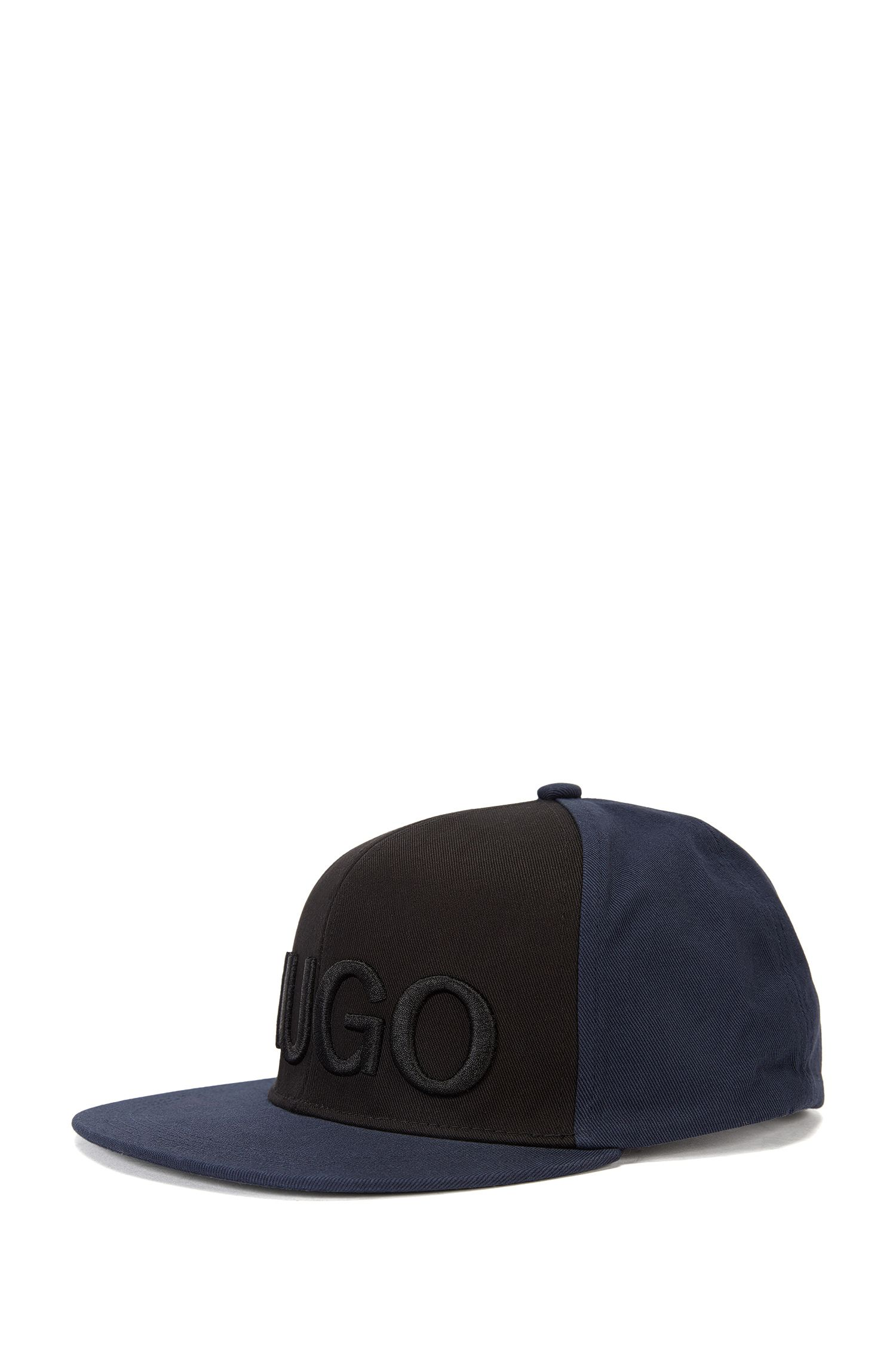 Cap in cotton with a large embroidered logo: 'Men-x 524/3'