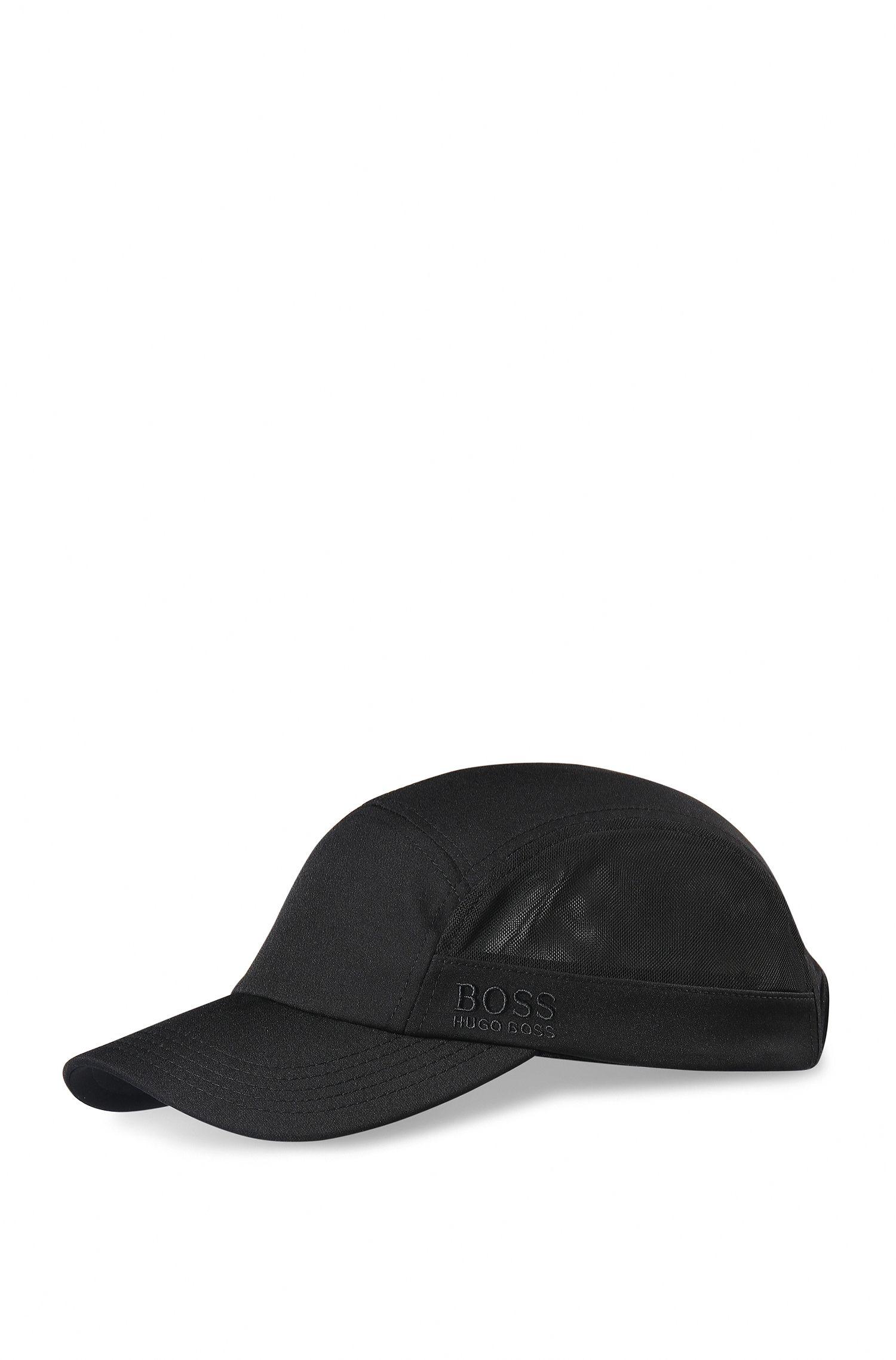 Gorra en tejido técnico con elástico
