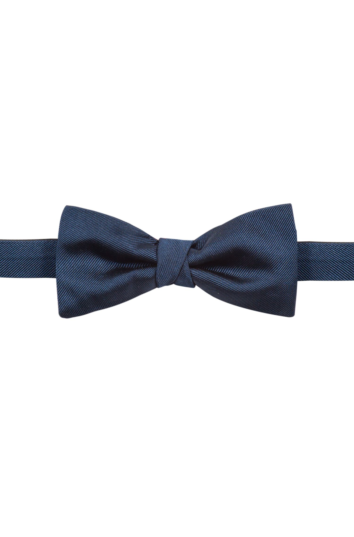 Silk bow tie with twill structure