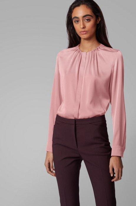 Bluse aus elastischem Seiden-Mix mit gerafftem Ausschnitt, Hellrosa