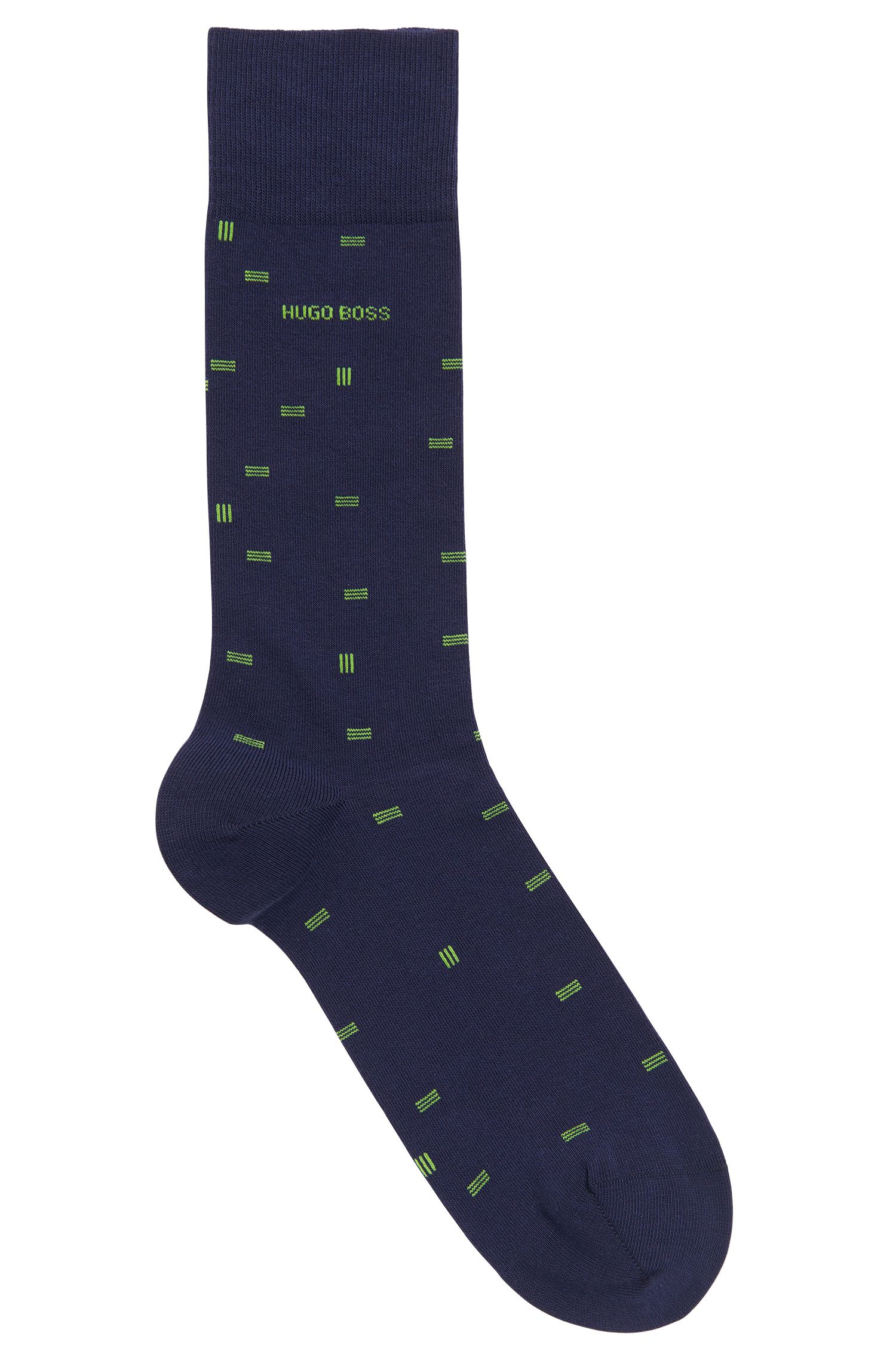 Precisely patterned socks in combed cotton blend