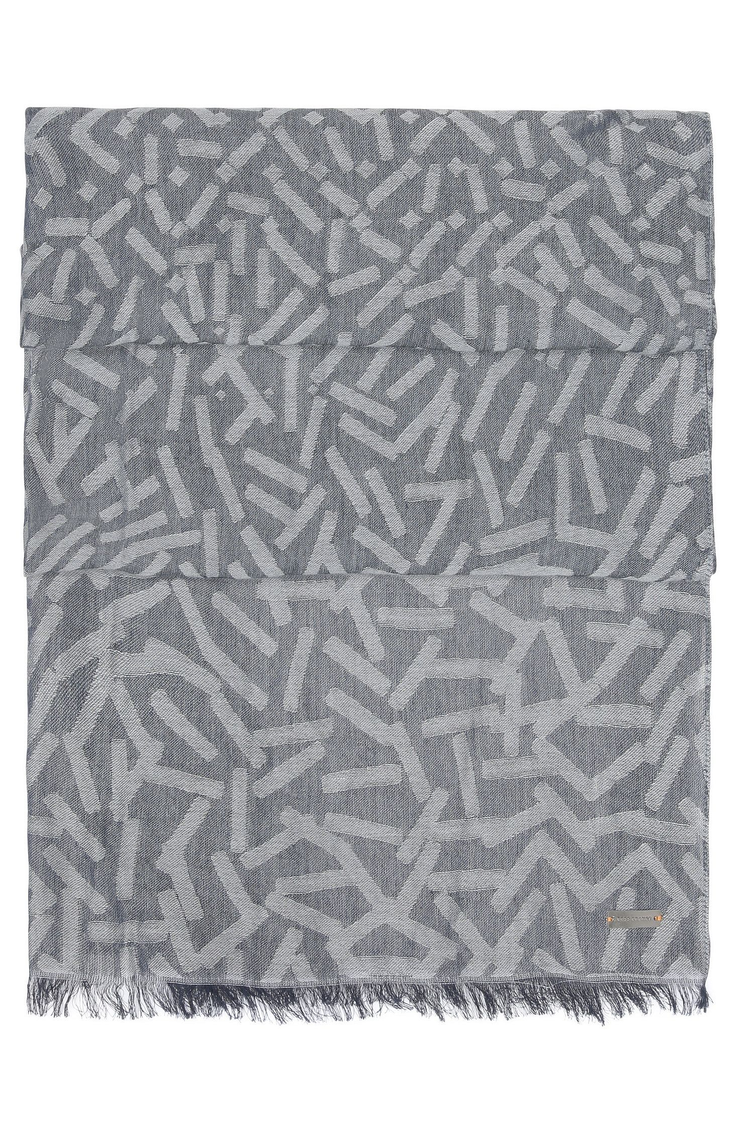 Patterned jacquard scarf in a cotton blend