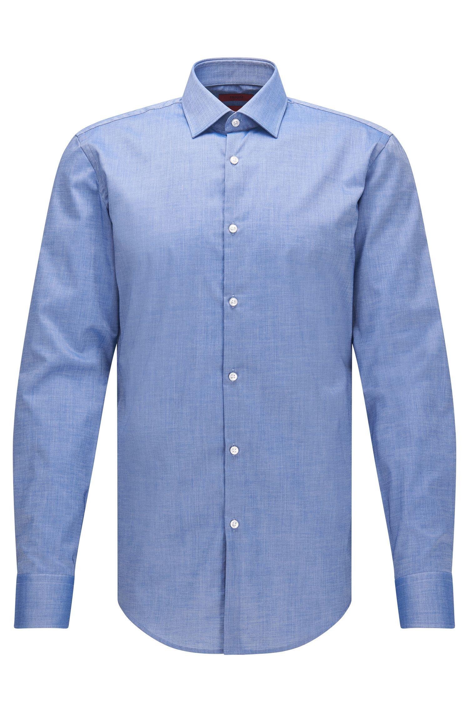 Camisa slim fit en algodón con puños cuadrados