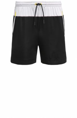 Short Slim Fit en tissu technique stretch, Noir