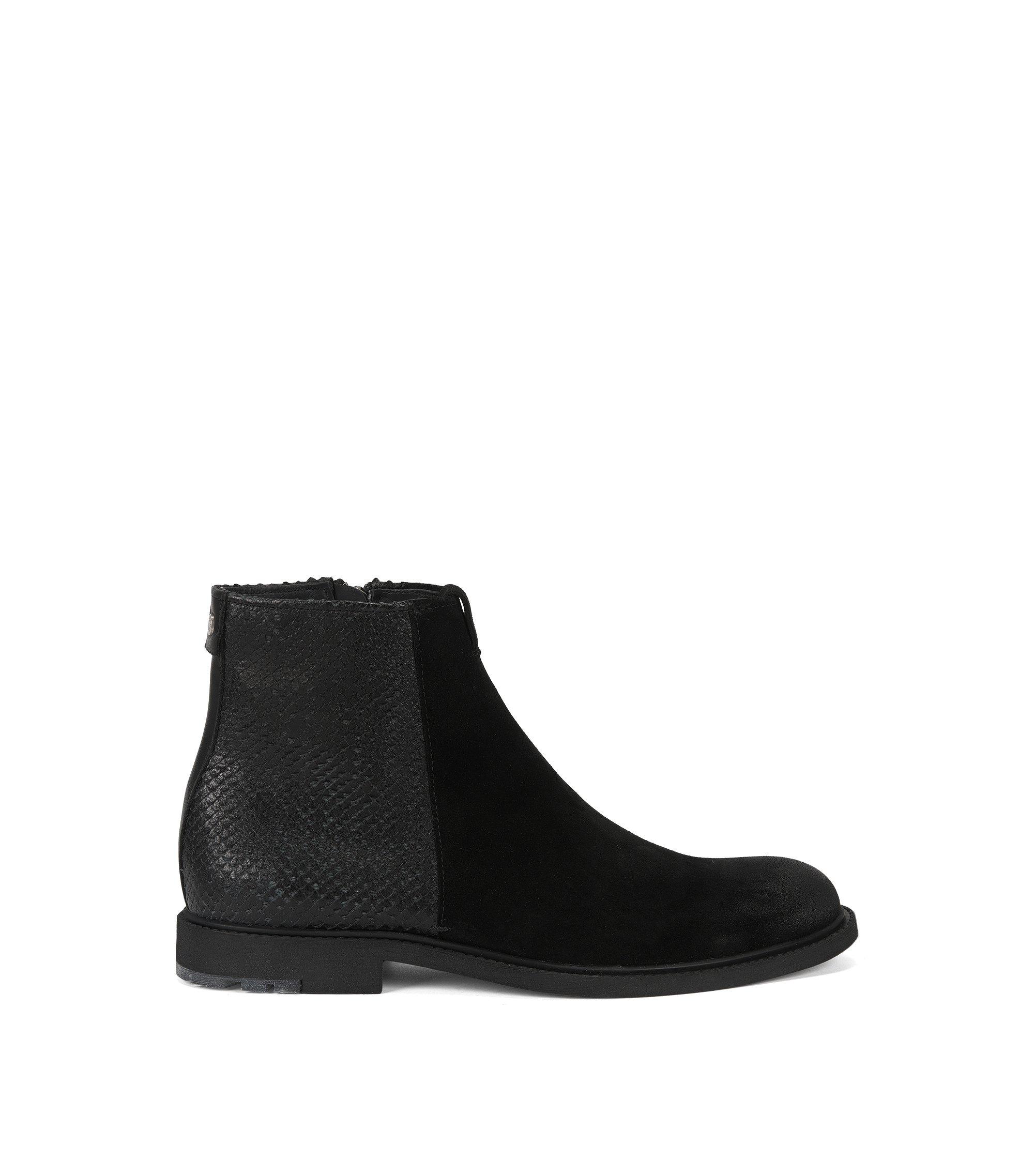 Boots hauteur chevilles en daim lavé et cuir gravé au laser, Noir