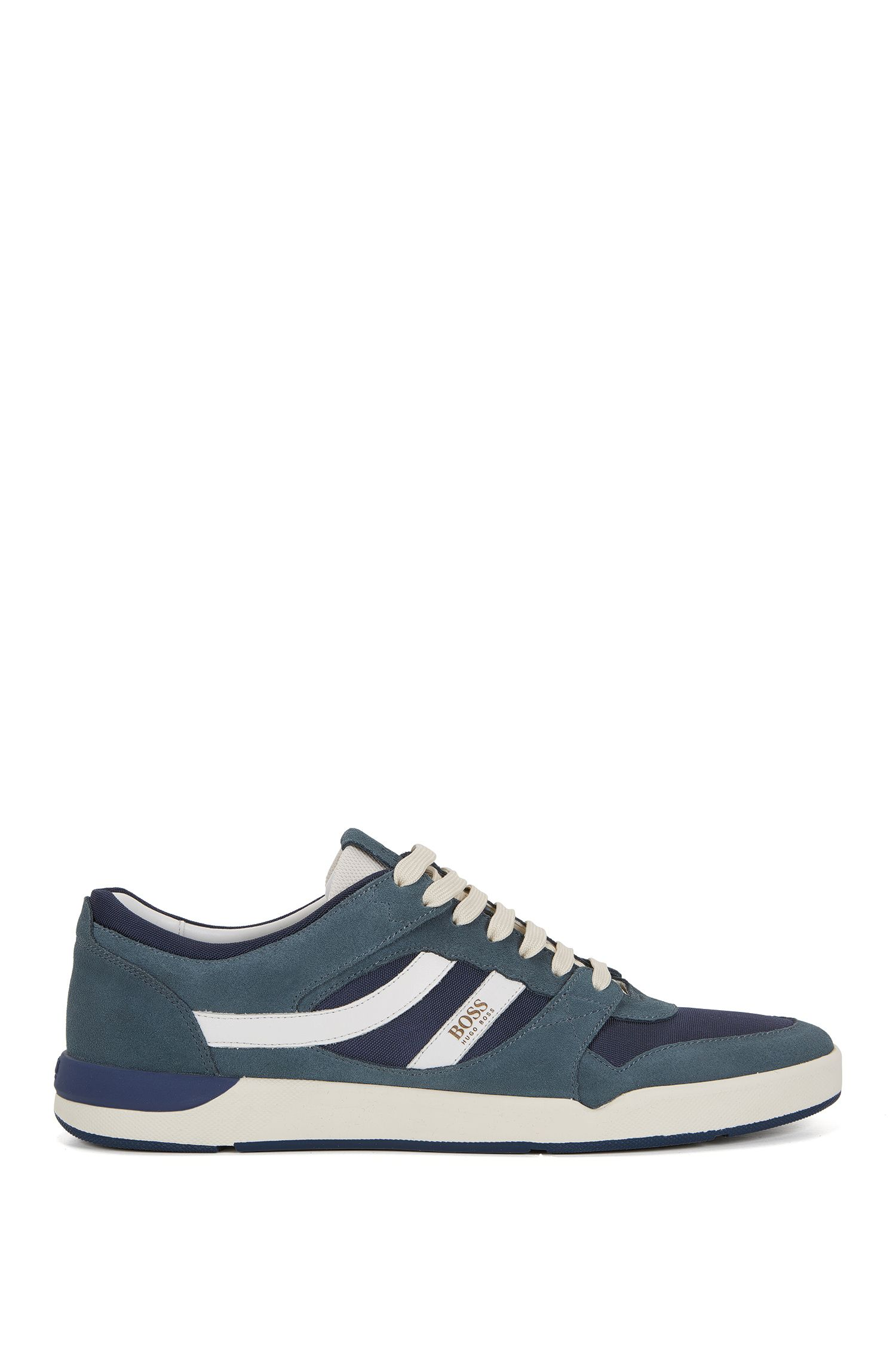 Sneakers aus Material-Mix und Veloursleder
