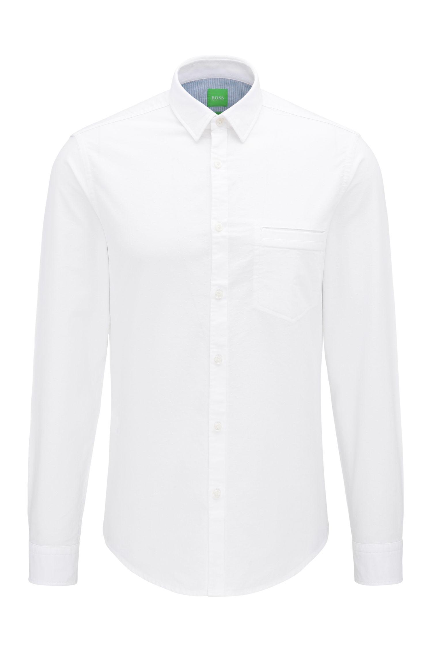 Camisa regular fit en algodón con lavado en prenda